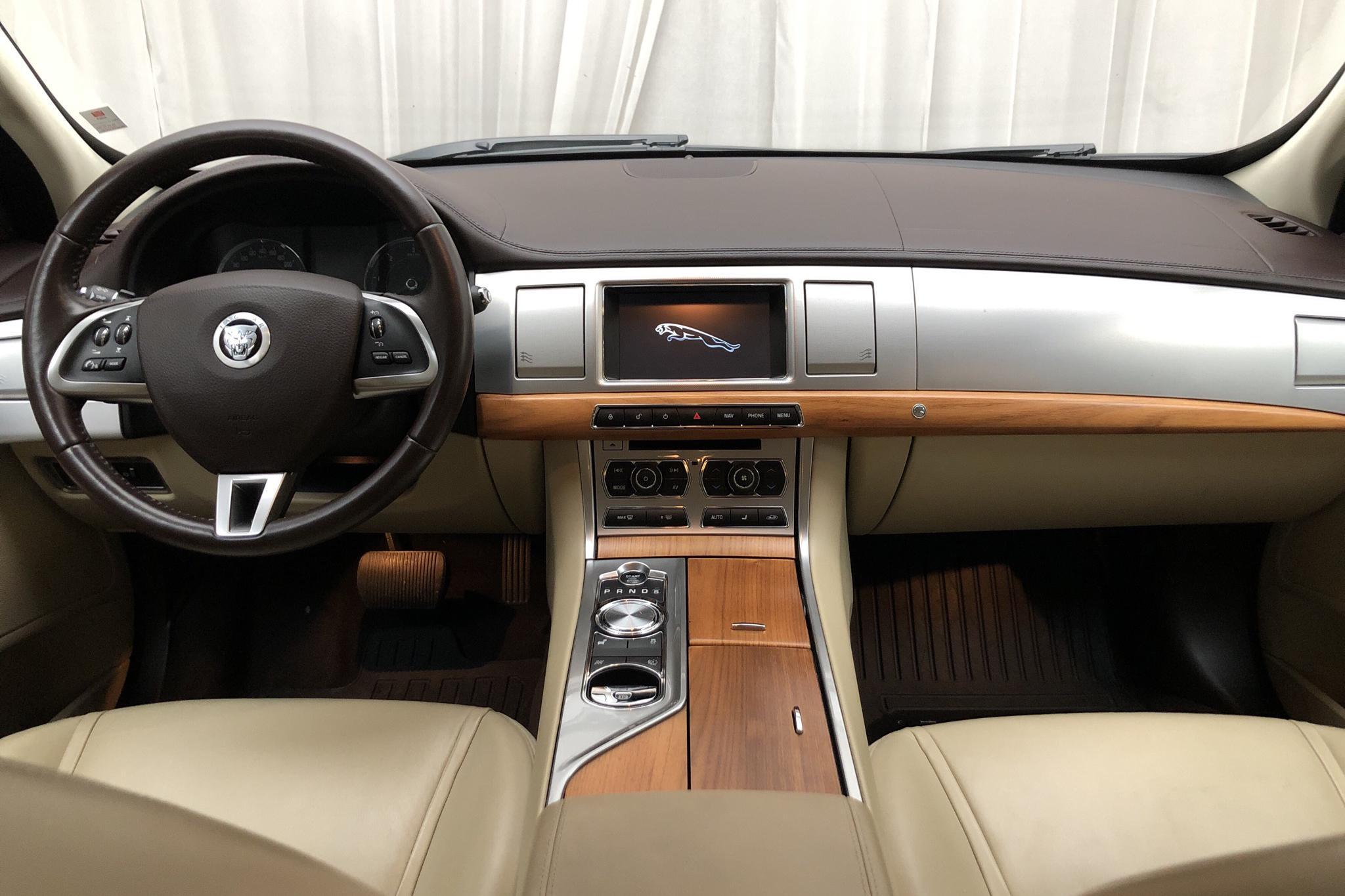 Jaguar XF 3.0 DS (275hk) - 7 656 mil - Automat - grå - 2012