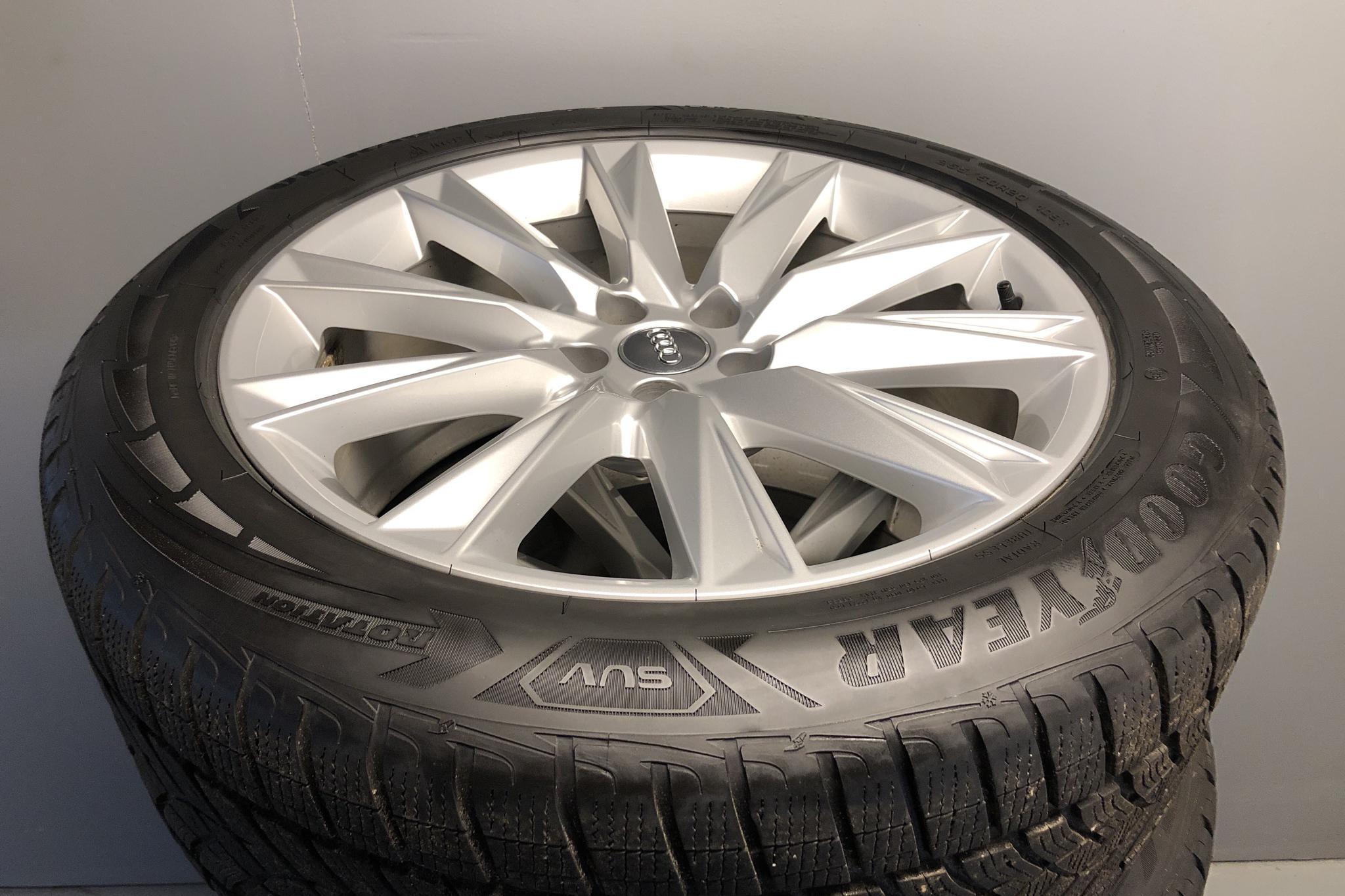 Audi e-tron 50 quattro 71 kWh (288hk) - 36 850 km - Automatic - black - 2020