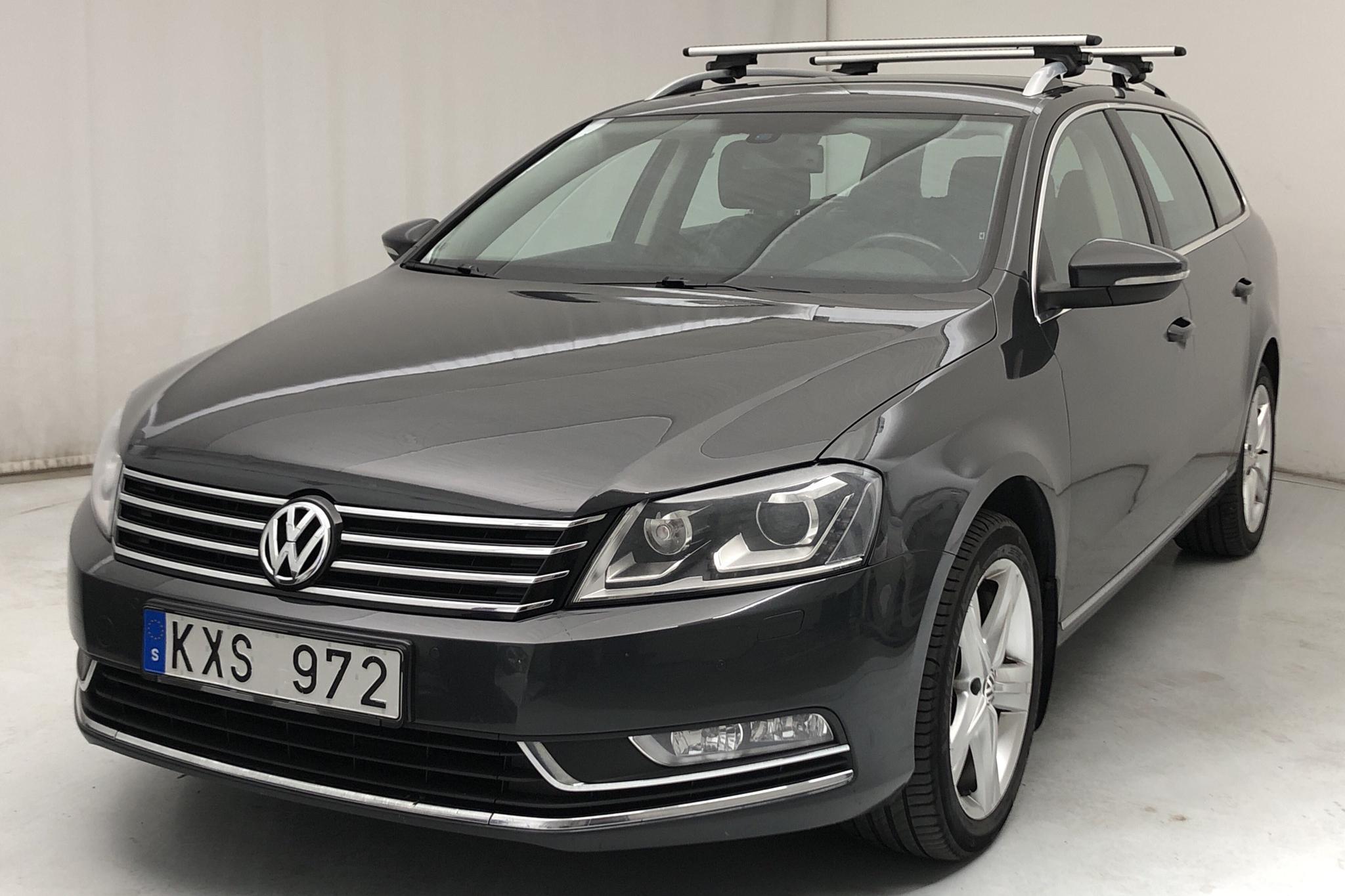 VW Passat 1.4 TSI EcoFuel Variant (150hk) - 21 807 mil - Manuell - Dark Grey - 2013