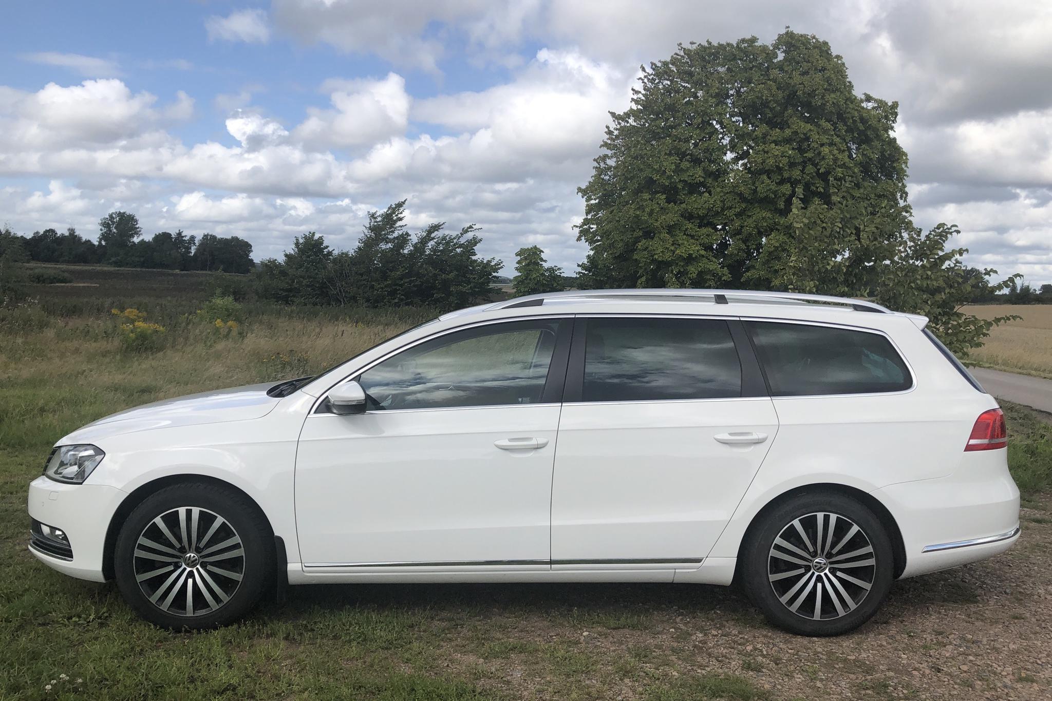 VW Passat 1.4 TSI EcoFuel Variant (150hk) - 159 530 km - Automatic - white - 2012
