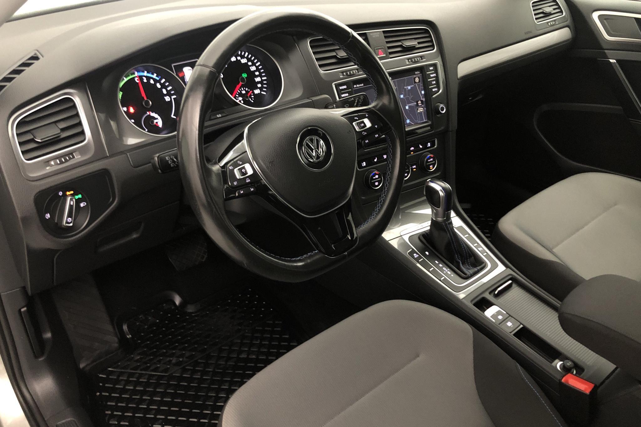 VW e-Golf VII 5dr (115hk) - 6 145 mil - Automat - silver - 2016