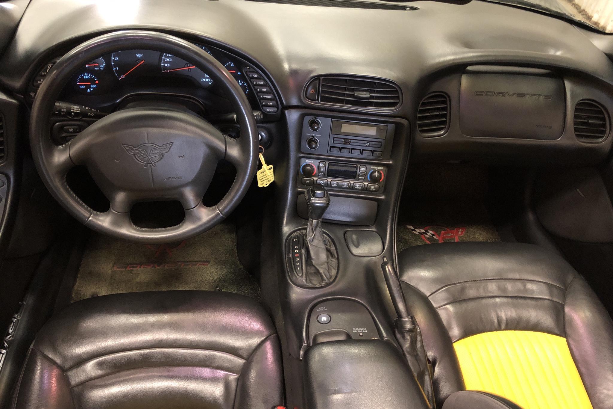 Chevrolet Corvette Coupé (340hk) - 20 957 mil - Automat - svart - 2001