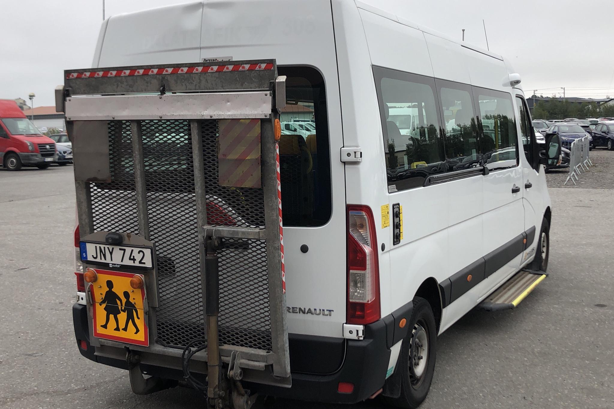 Renault Master 2.3 Buss 2WD (125hk) - 50 778 mil - Automat - vit - 2014