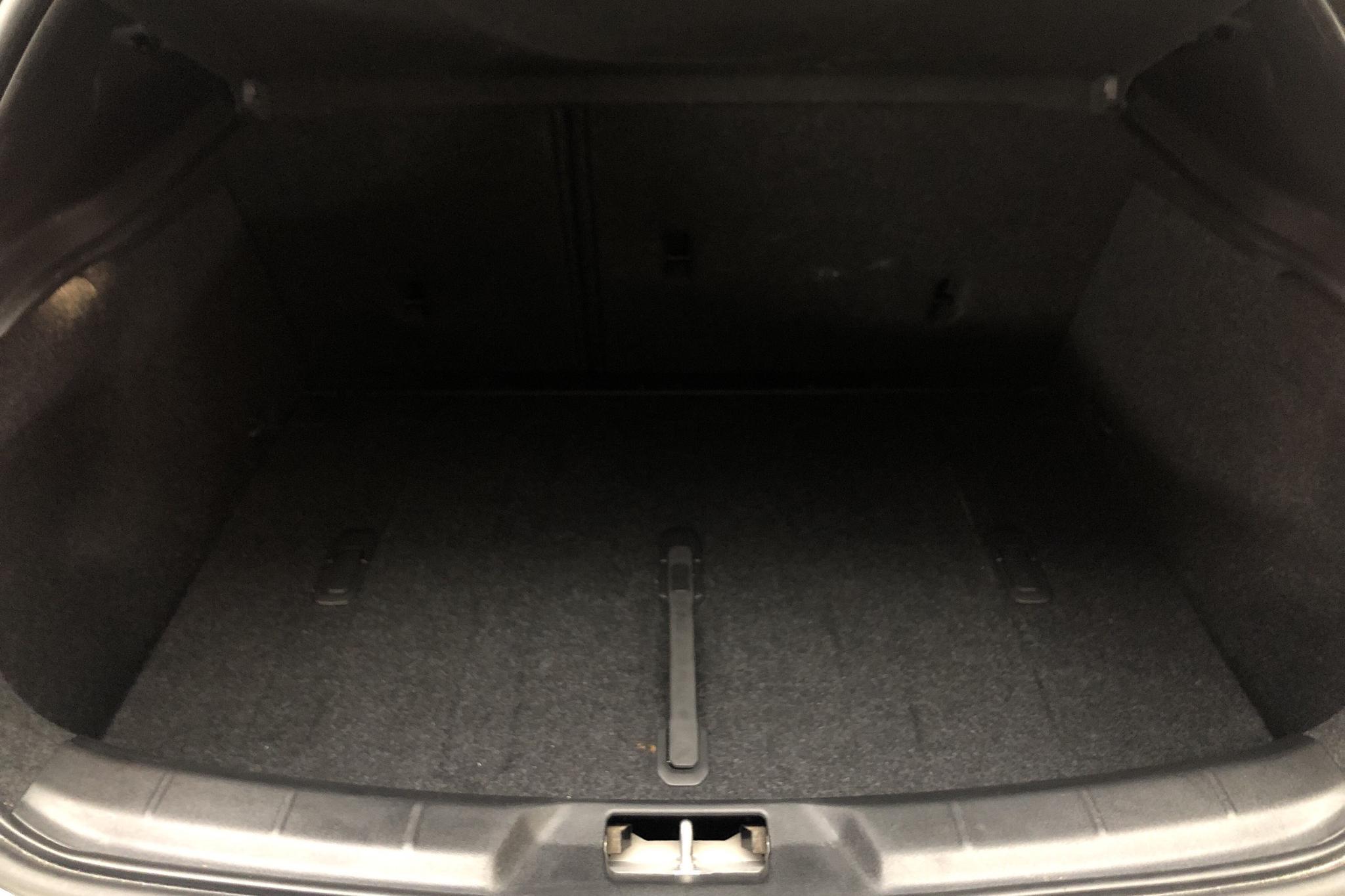 Volvo V40 Cross Country D3 (150hk) - 6 782 mil - Automat - grå - 2019