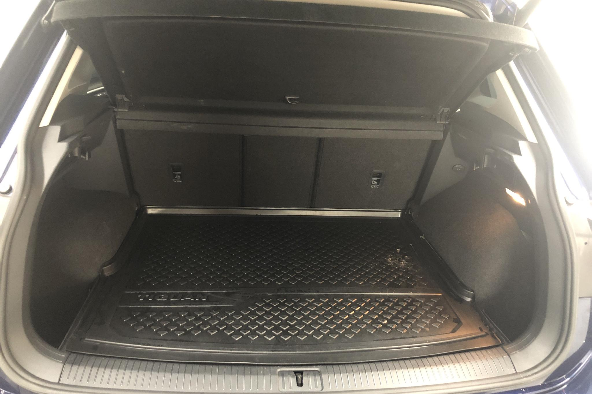 VW Tiguan 2.0 TDI 4MOTION (190hk) - 57 320 km - Automatic - Dark Blue - 2018