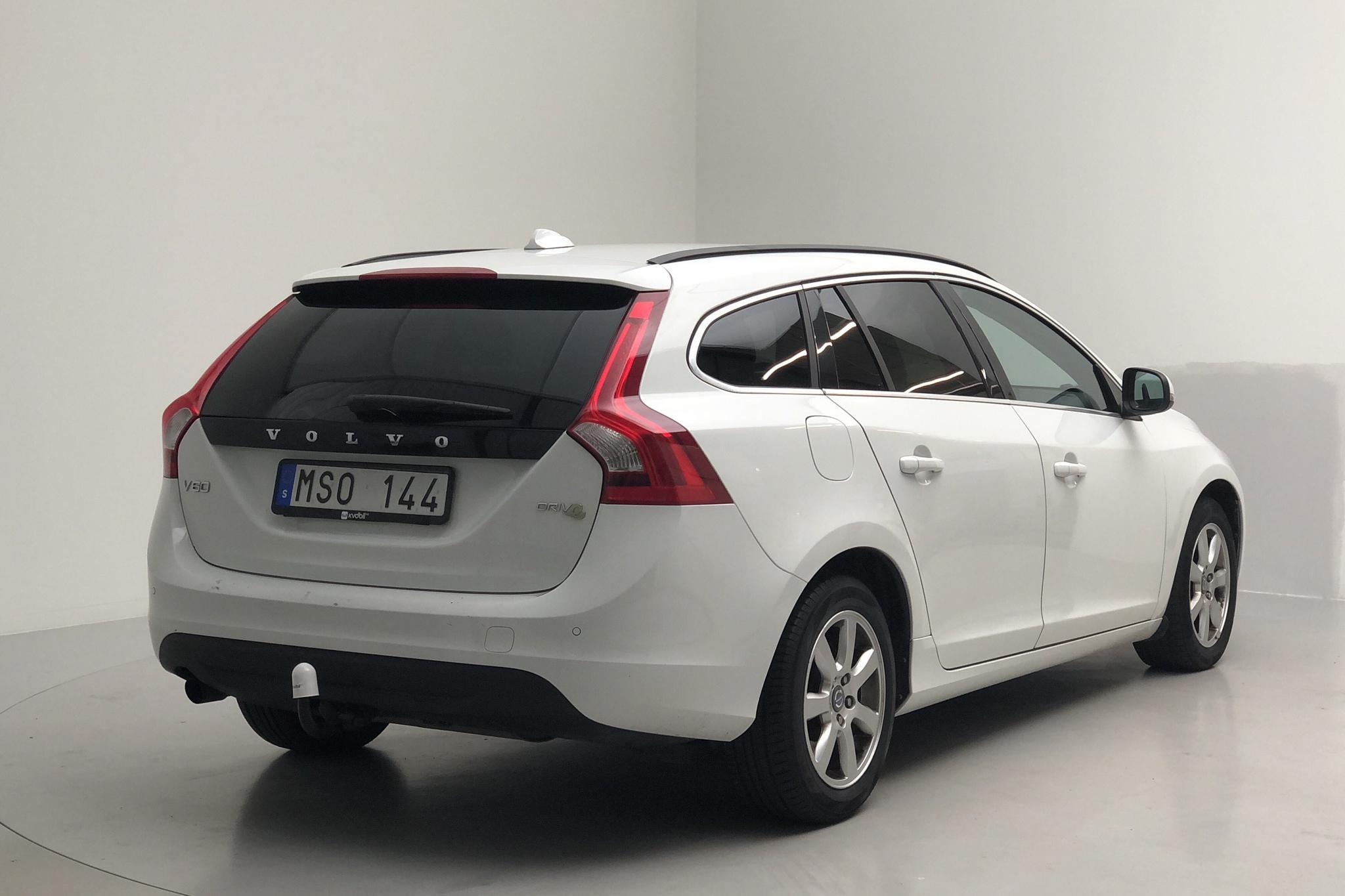 Volvo V60 1.6D DRIVe (115hk) - 167 700 km - Automatic - white - 2012