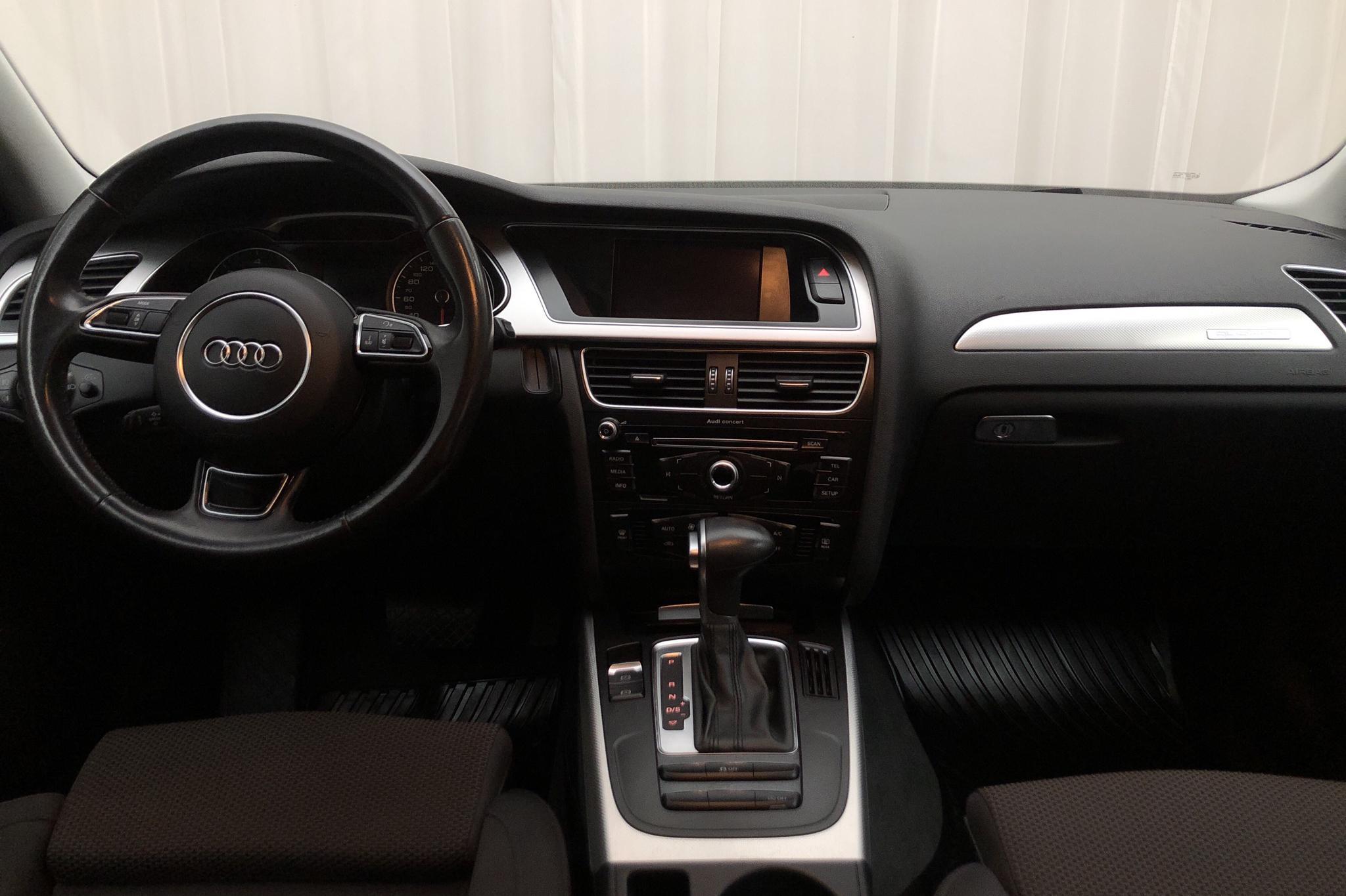 Audi A4 Allroad 2.0 TDI clean diesel Avant quattro (190hk) - 8 690 mil - Automat - svart - 2016