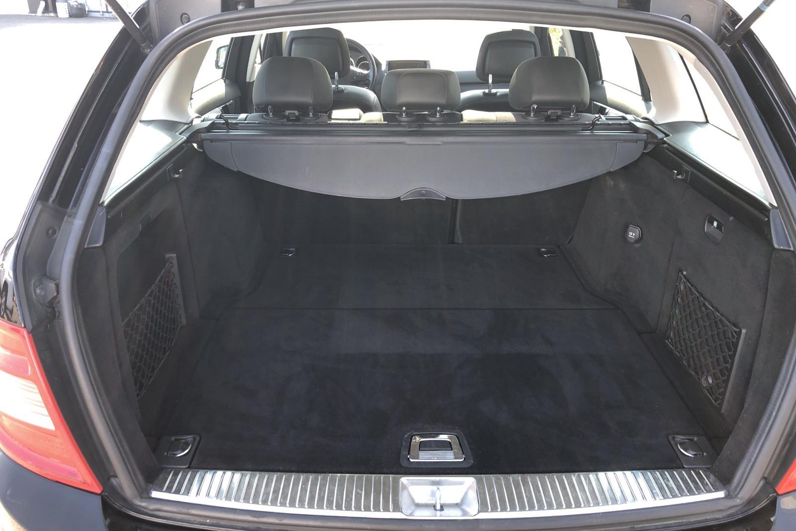 Mercedes C 220 CDI BlueEfficiency Kombi S204 (170hk) - 18 824 mil - Manuell - svart - 2010