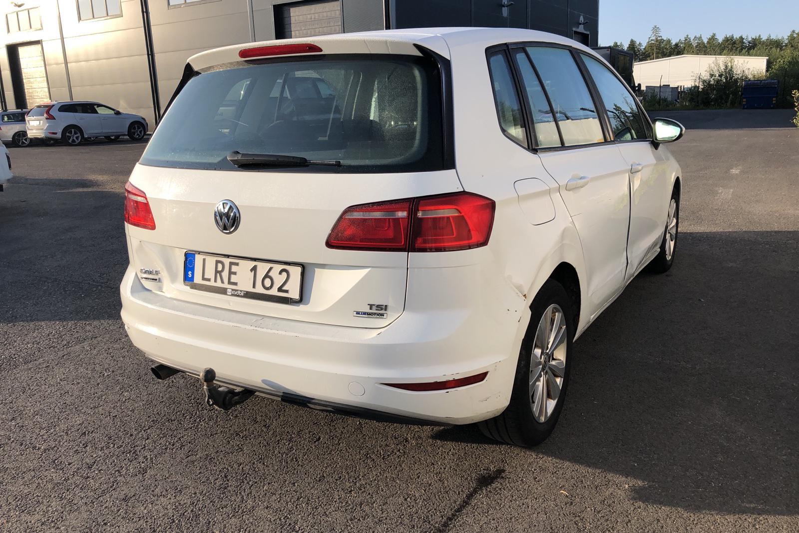 VW Golf VII 1.2 TSI BlueMotion Technology Sportsvan (110hk) - 139 140 km - Automatic - white - 2016