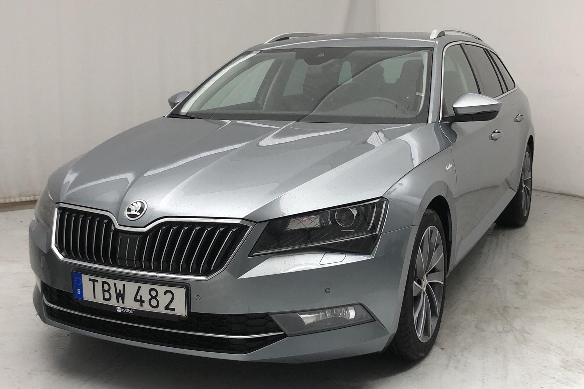 Skoda Superb 2.0 TDI 4x4 Kombi (190hk) - 91 990 km - Automatic - gray - 2019