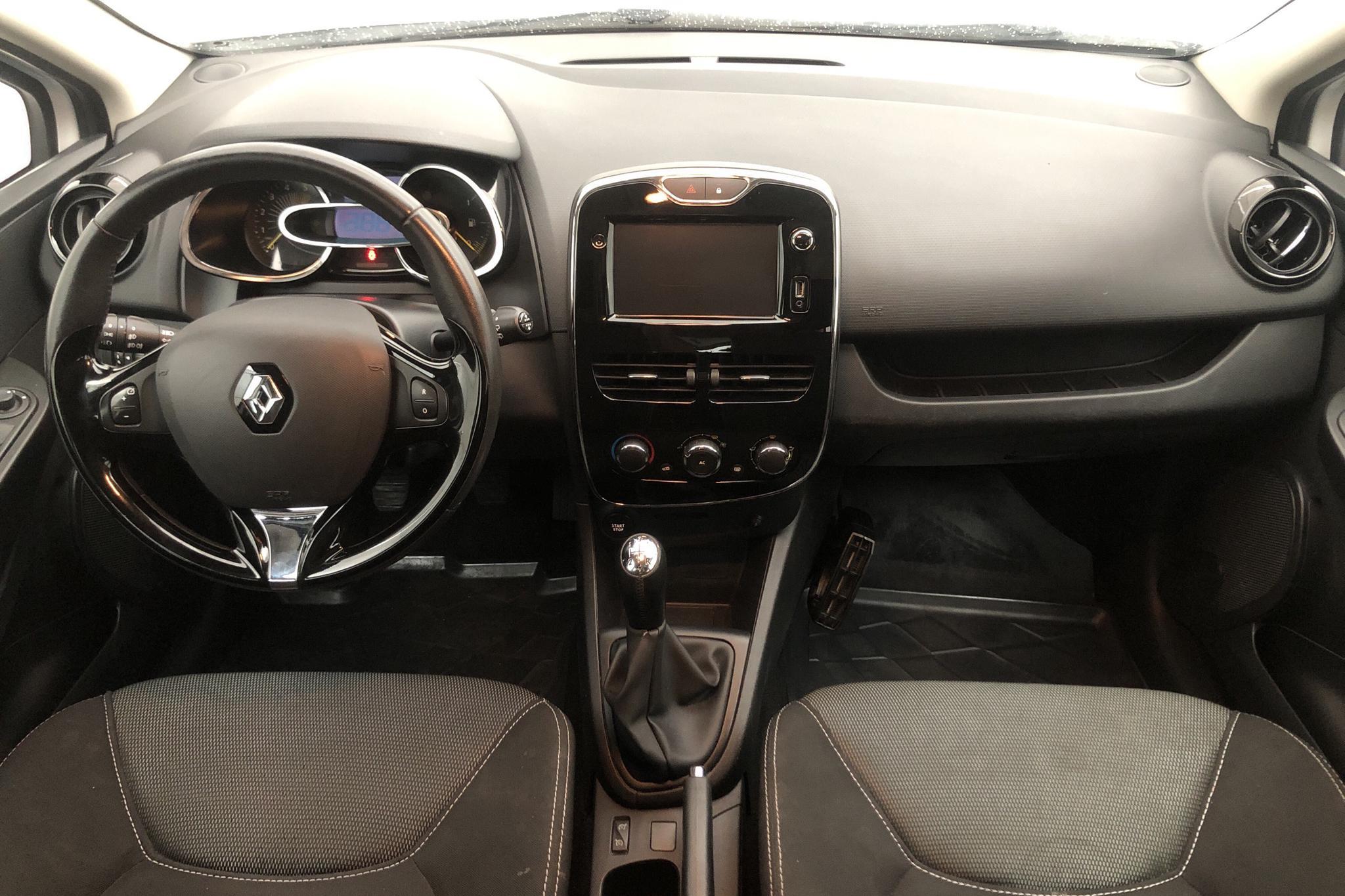 Renault Clio IV 1.5 dCi Sports Tourer (90hk) - 13 083 mil - Manuell - vit - 2014