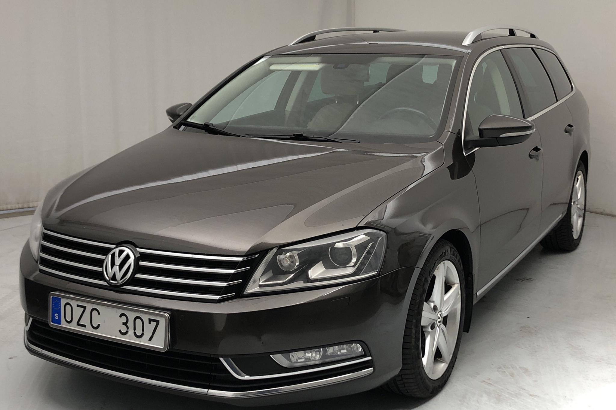 VW Passat 2.0 TDI BlueMotion Technology Variant 4Motion (170hk) - 209 790 km - Automatic - Dark Brown - 2013