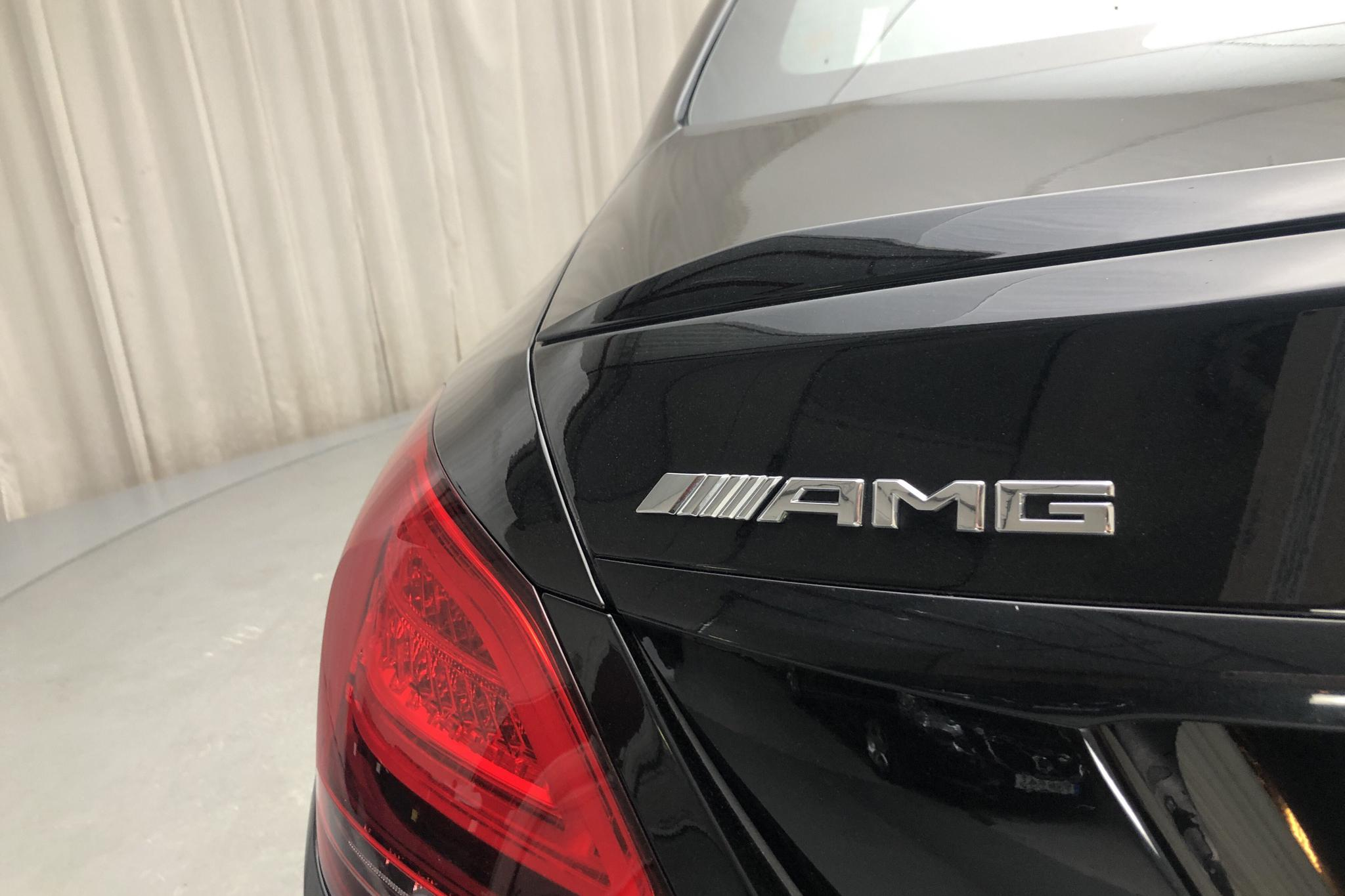 Mercedes C 63 AMG W205 (476hk) - 944 mil - Automat - svart