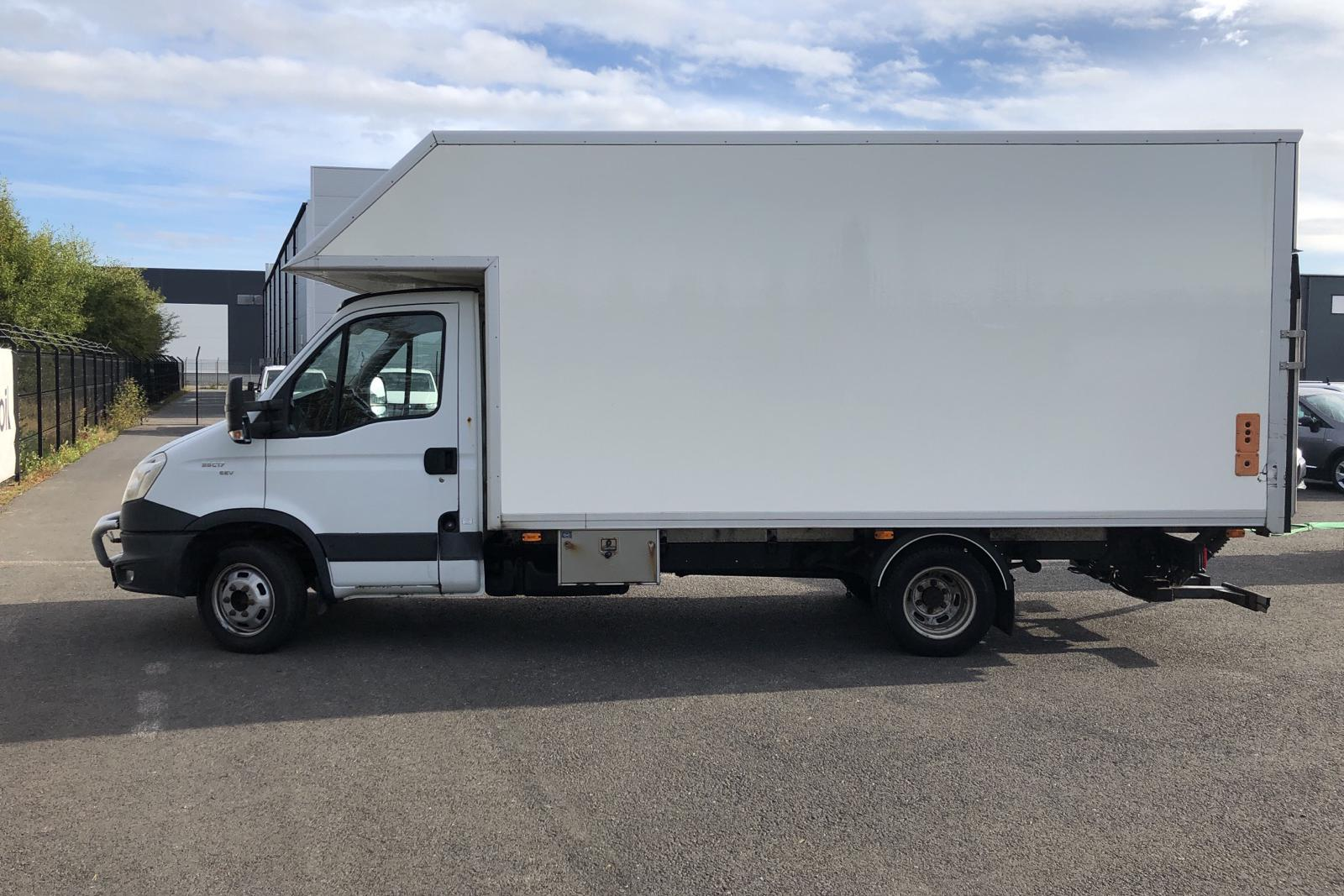 Iveco Daily 35 3.0 HPT EEV (170hk) - 261 690 km - Manual - white - 2012