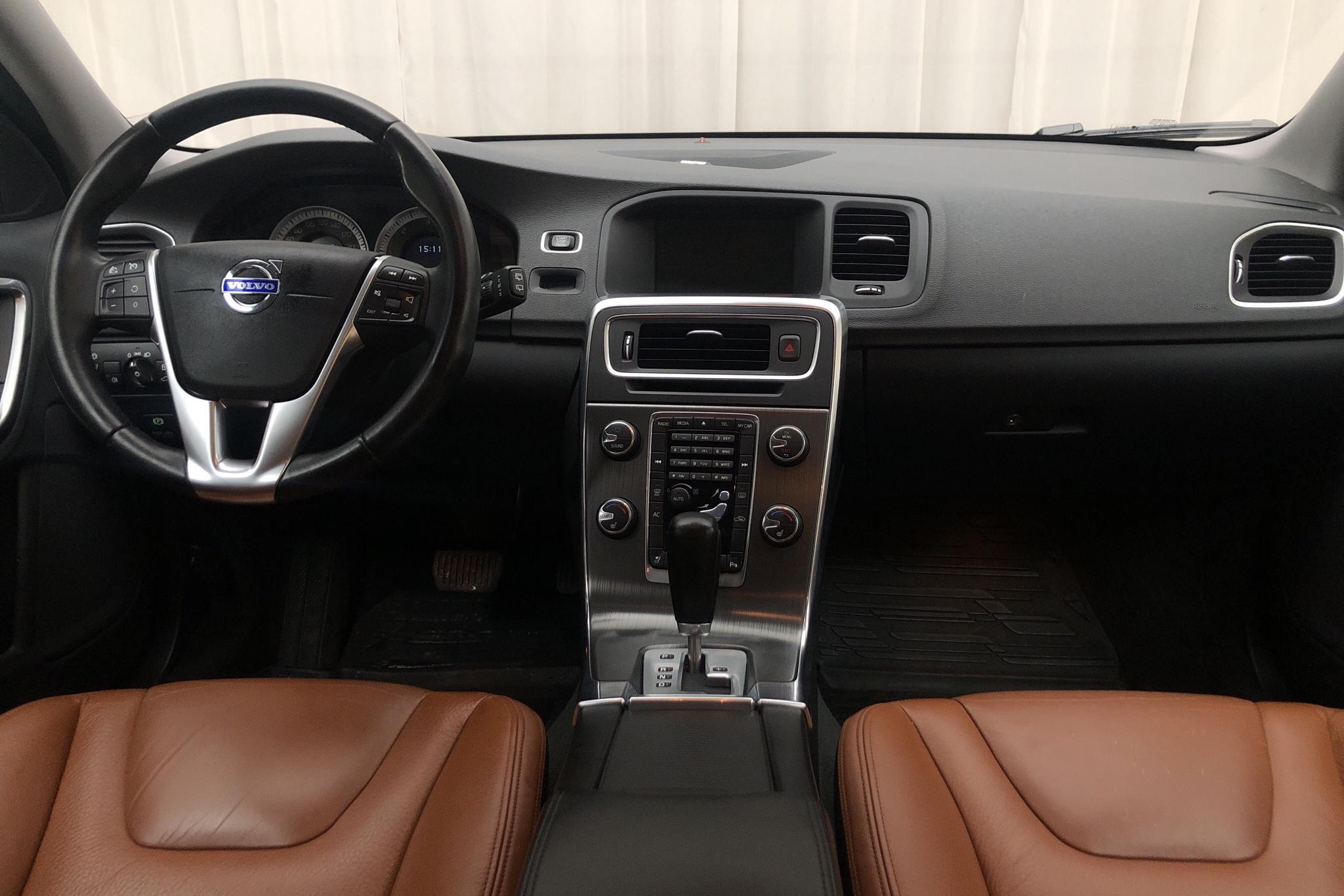 Volvo V60 D5 (205hk) - 113 090 km - Automatic - black - 2011