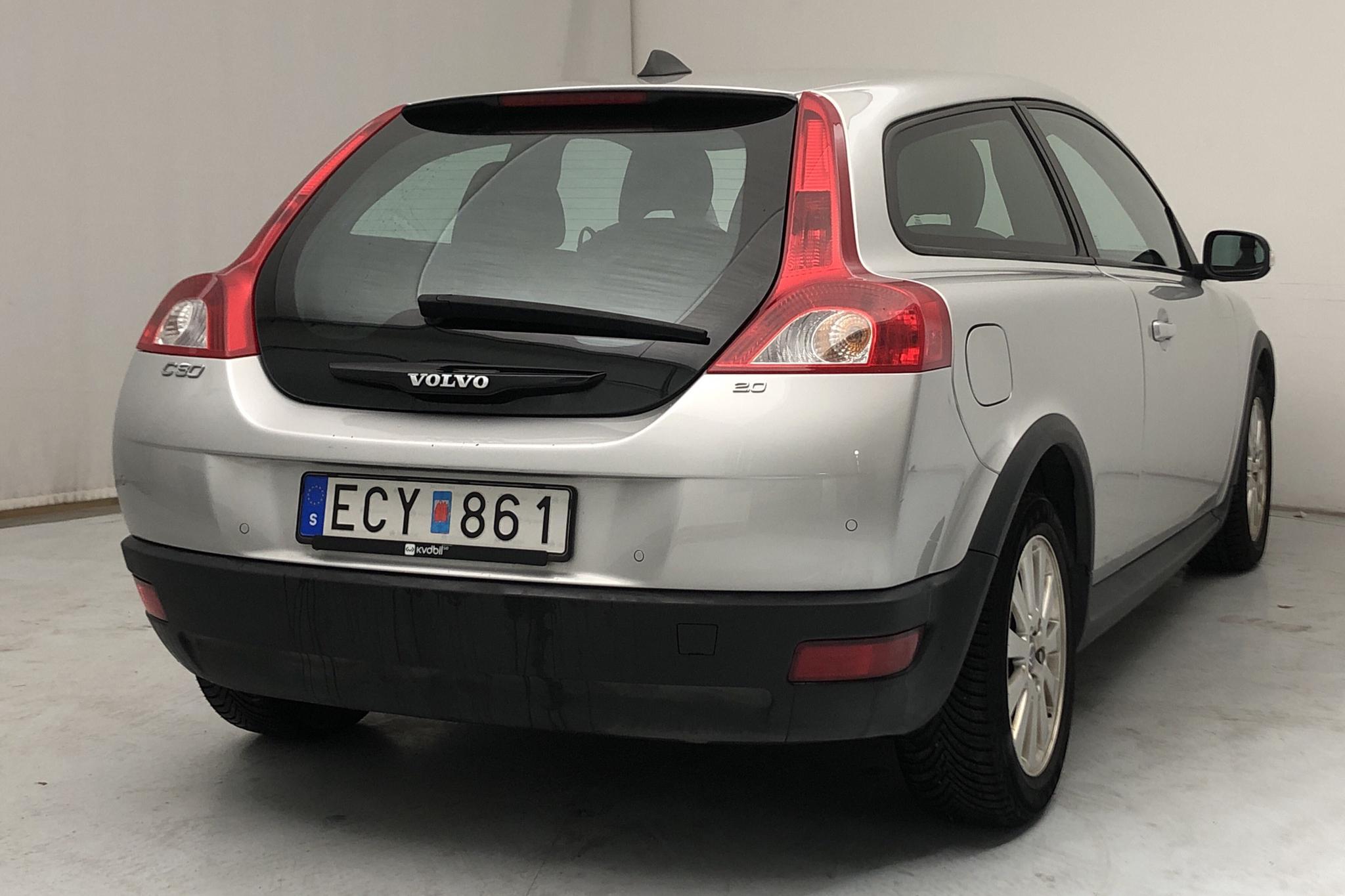 Volvo C30 2.0 (145hk) - 95 560 km - Manual - Light Grey - 2007