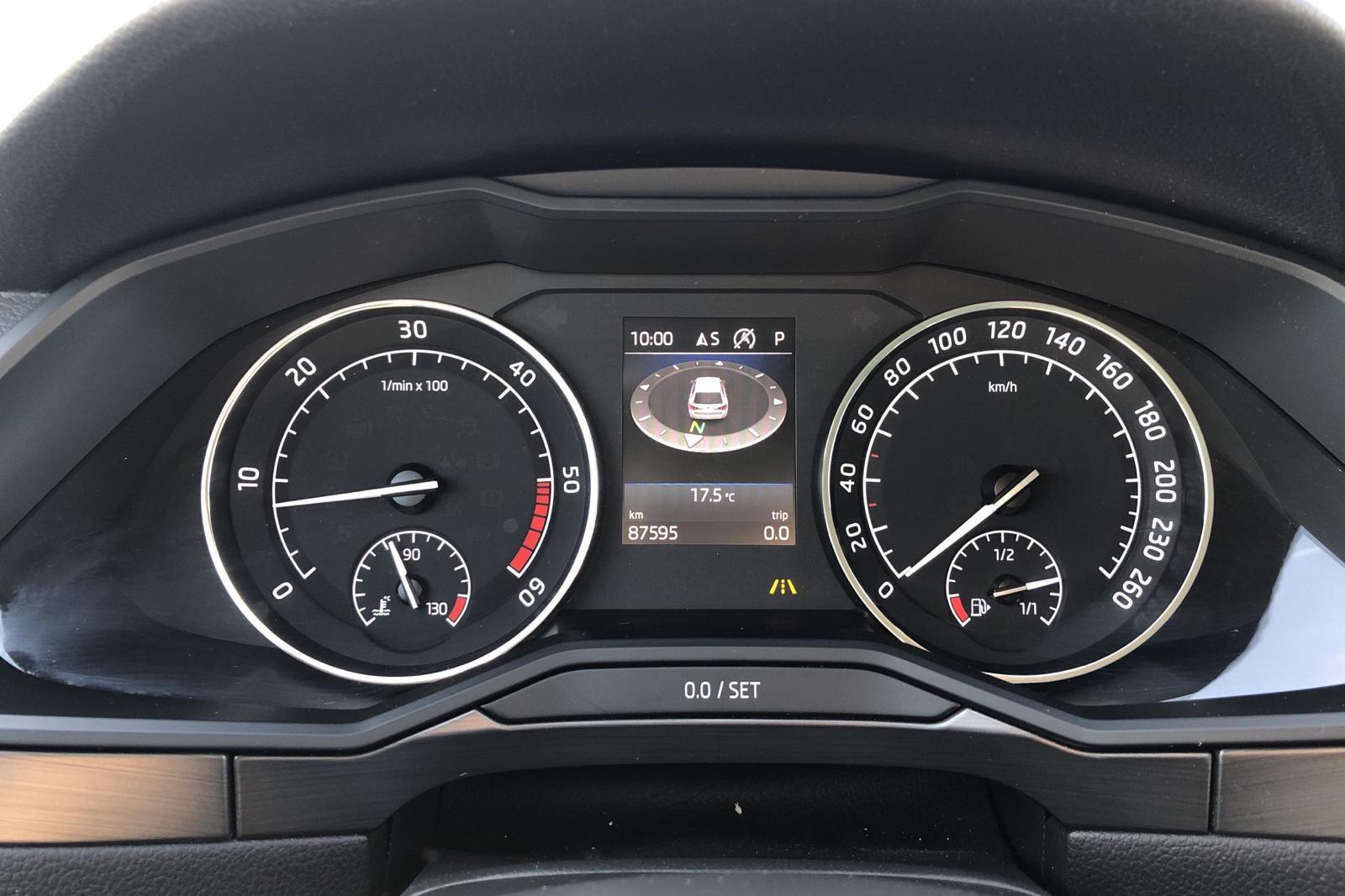 Skoda Superb 2.0 TDI 4x4 Kombi (190hk) - 87 590 km - Automatic - white - 2018