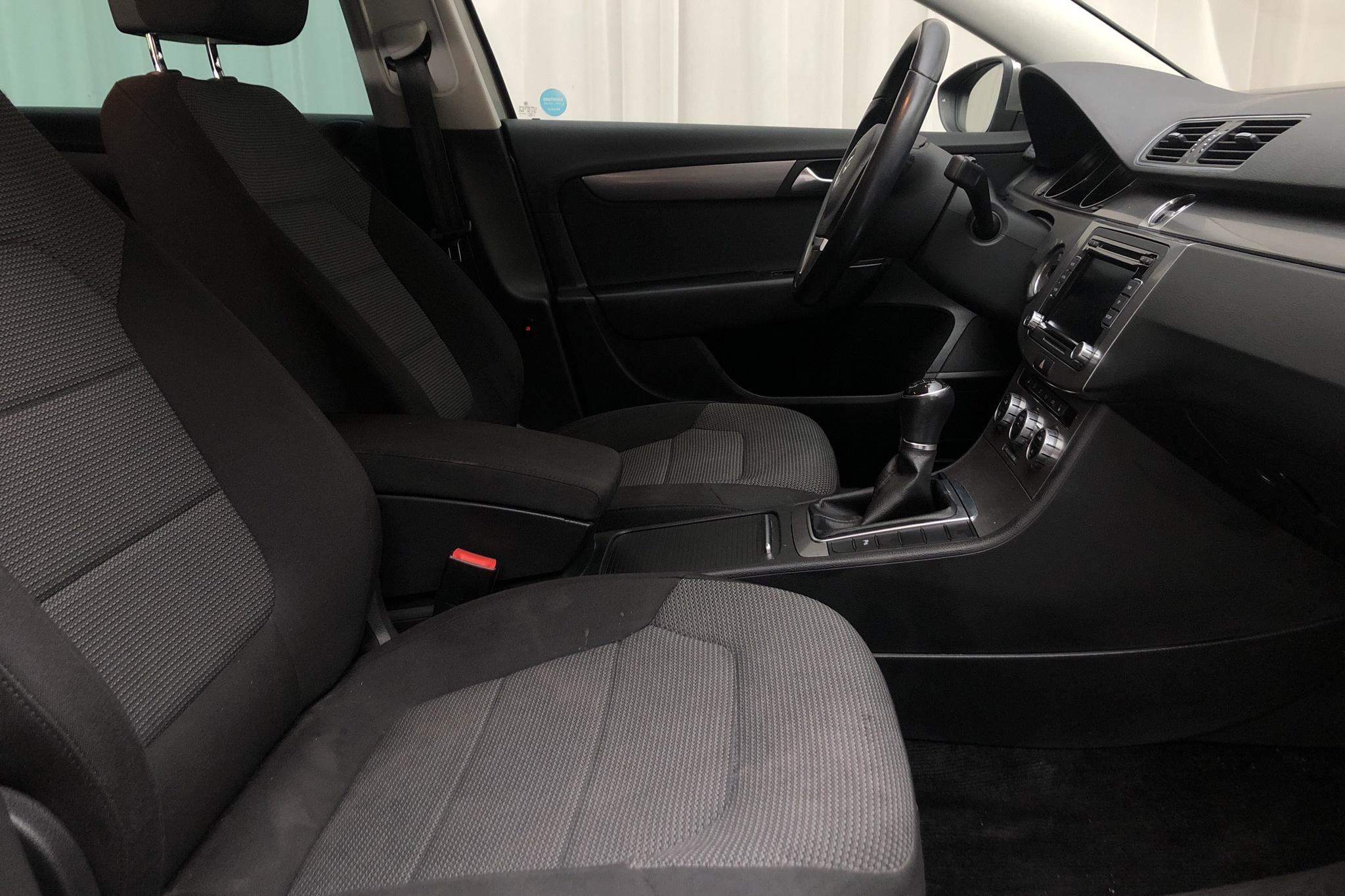 VW Passat 1.4 TSI EcoFuel Variant (150hk) - 10 832 mil - Manuell - Light Brown - 2013