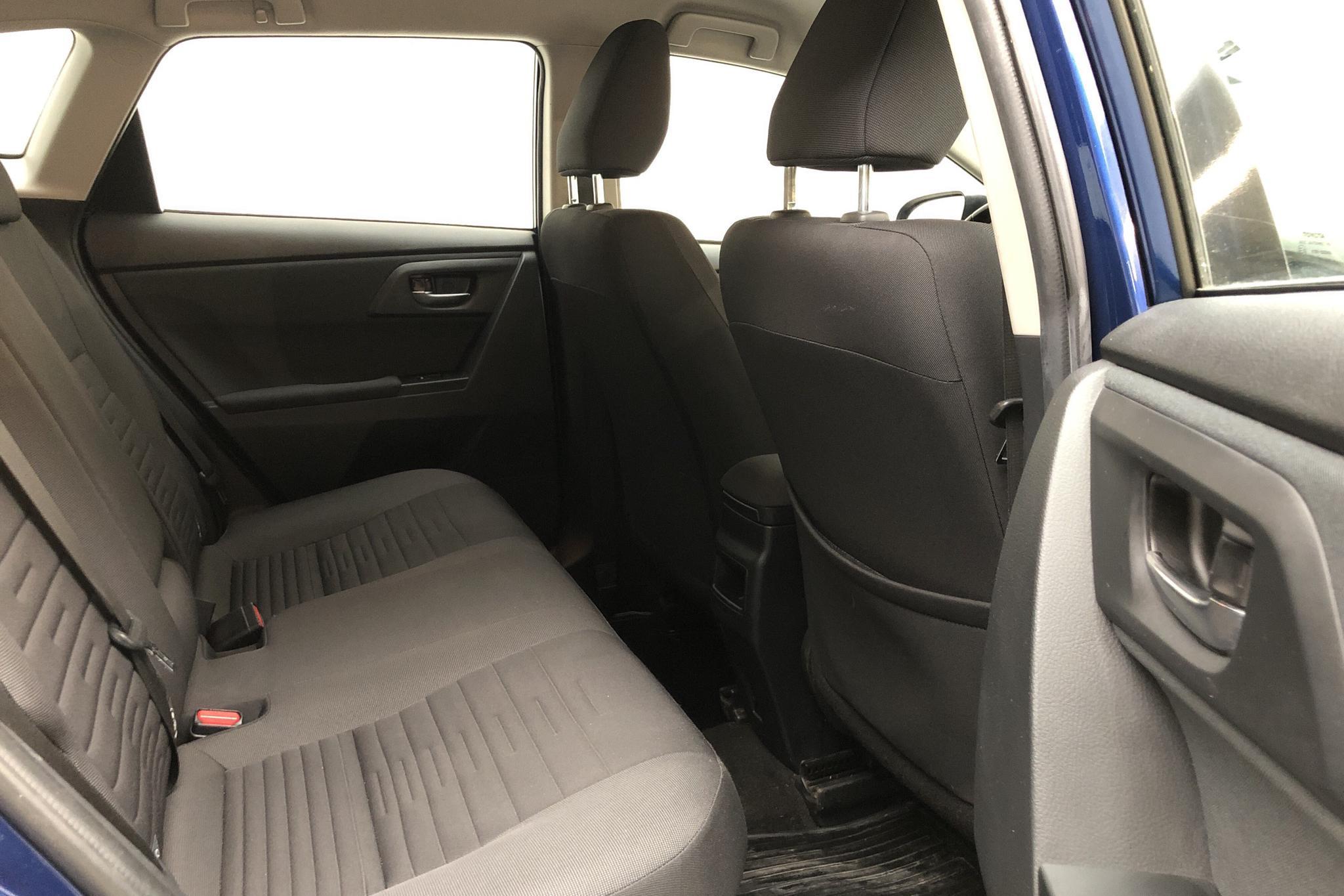 Toyota Auris 1.8 HSD 5dr (99hk) - 9 476 mil - Automat - Dark Blue - 2017