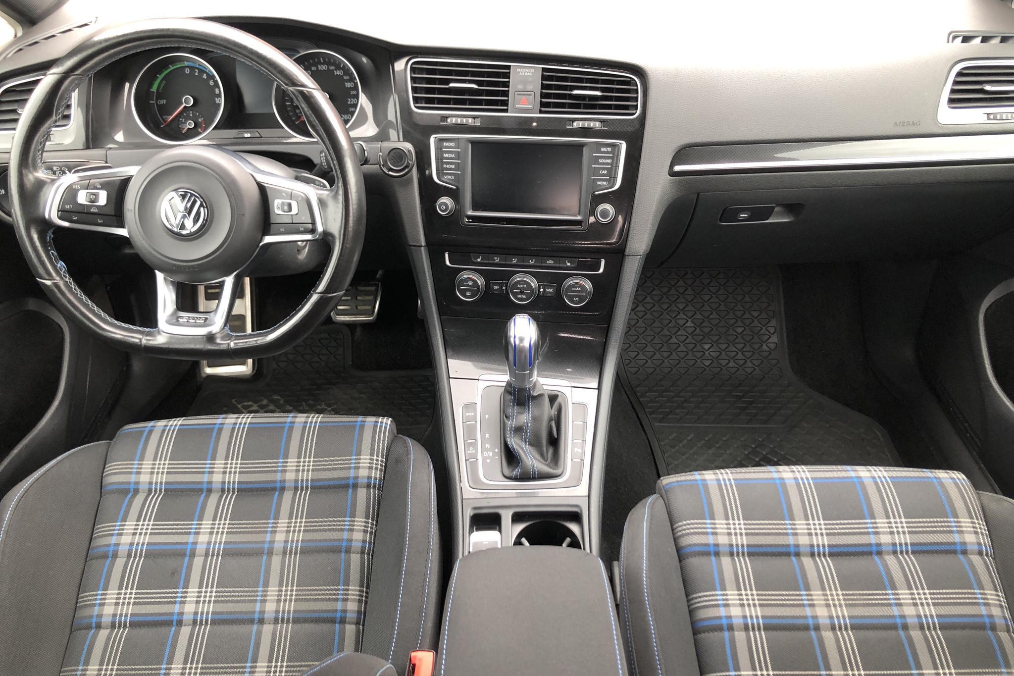 VW Golf VII 1.4 Plug-in-Hybrid 5dr (204hk) - 116 660 km - Automatic - white - 2016