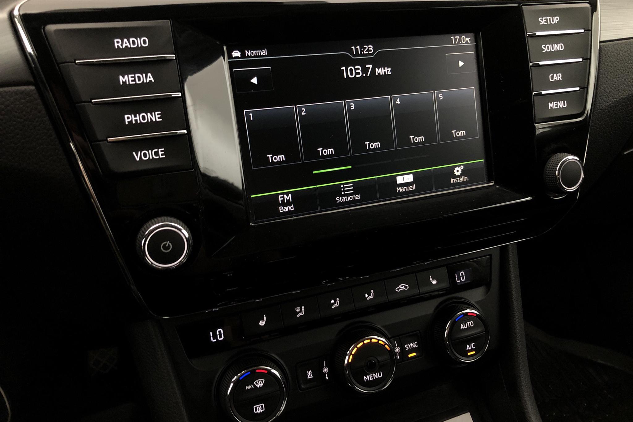 Skoda Superb 2.0 TDI 4x4 Kombi (190hk) - 114 490 km - Automatic - white - 2016