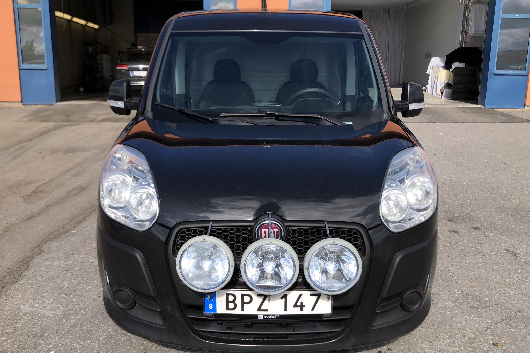 Fiat Doblo Cargo 1.3 Multijet (90hk) - 102 530 km - Manual - black - 2014
