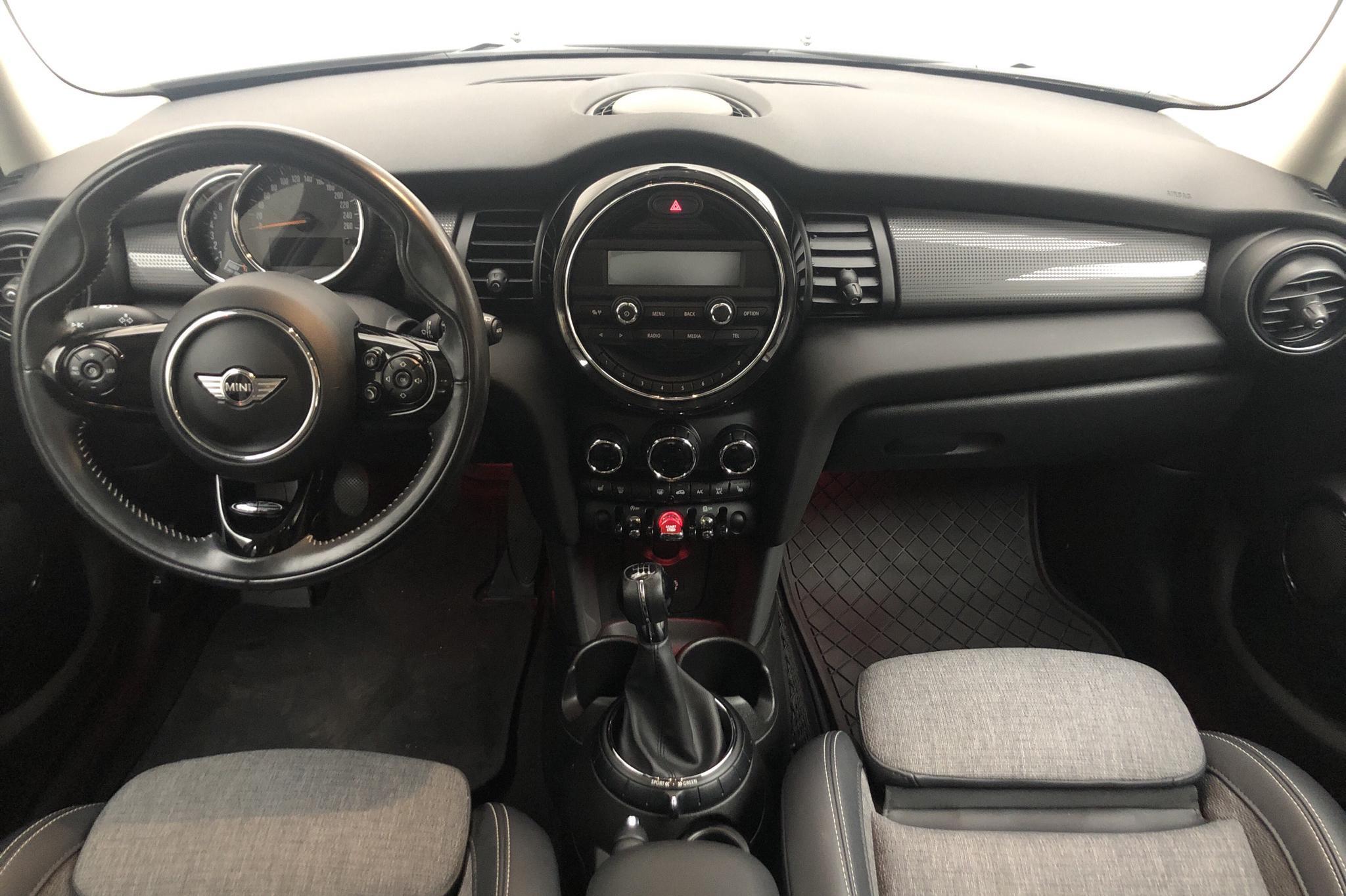 MINI Cooper Hatch 5dr (136hk) - 60 990 km - Manual - black - 2016
