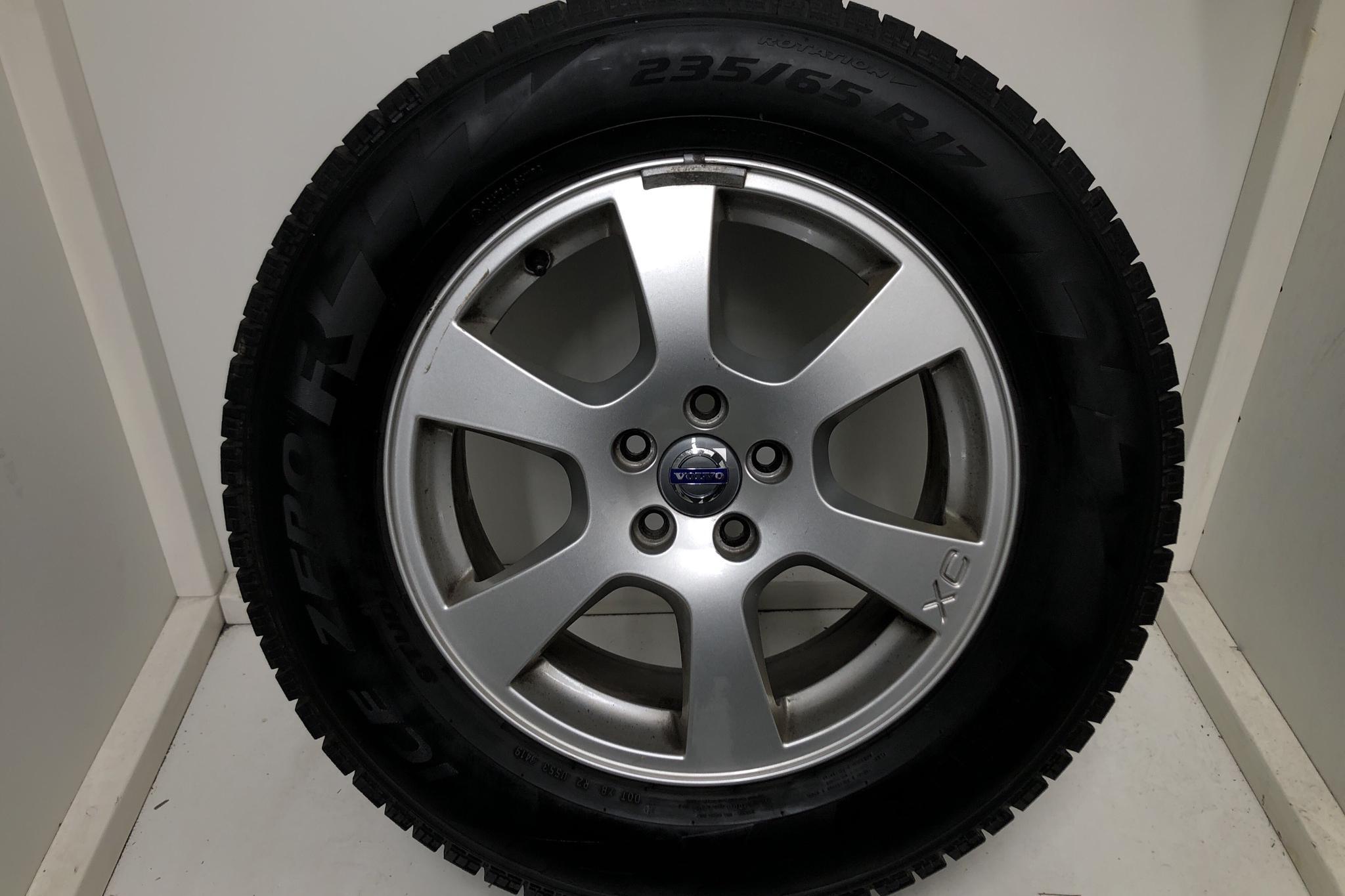 Volvo XC60 D4 2WD (163hk) - 11 087 mil - Manuell - svart - 2013