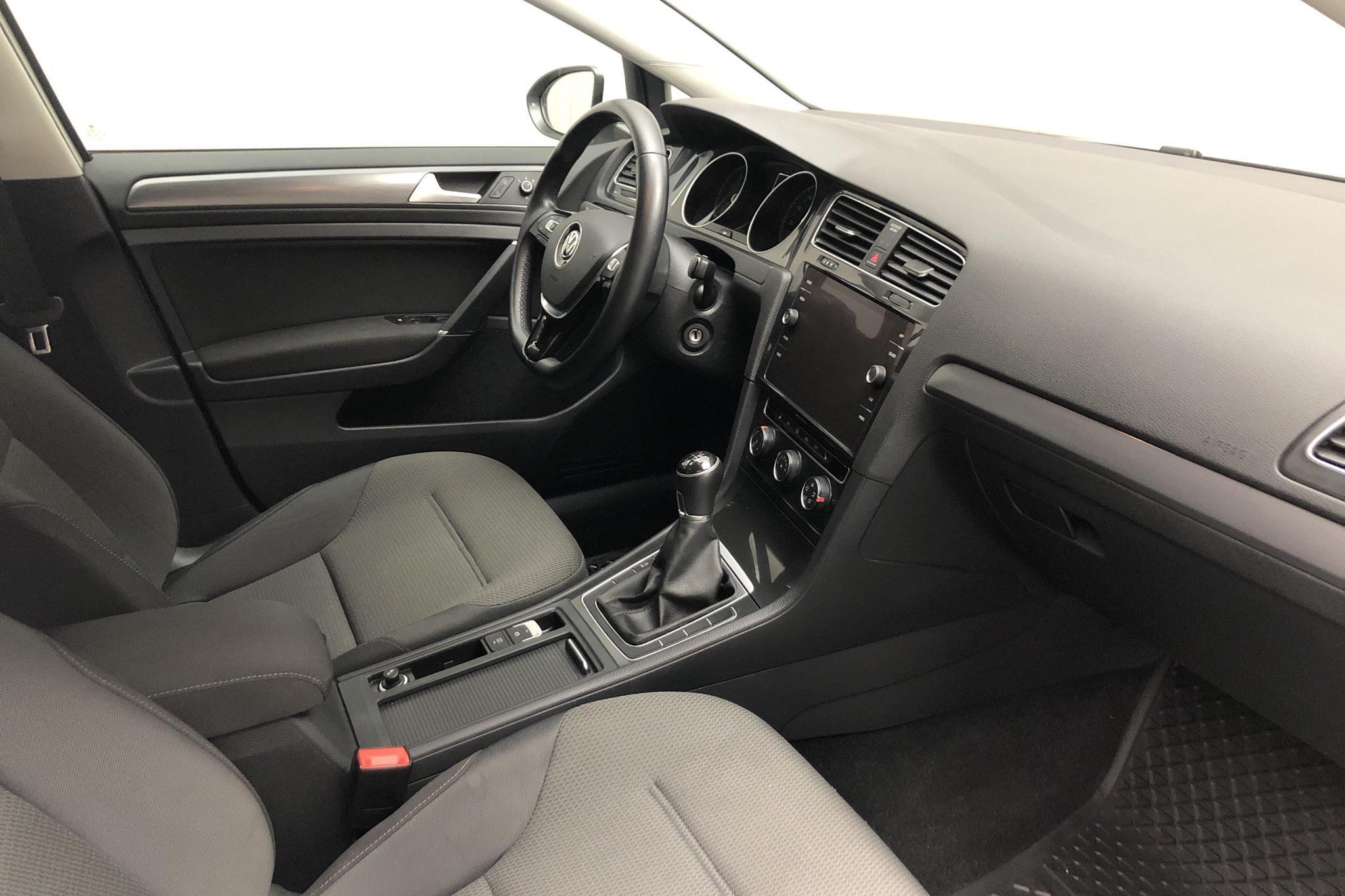 VW Golf VII 1.0 TSI 5dr (110hk) - 6 422 mil - Manuell - vit - 2018