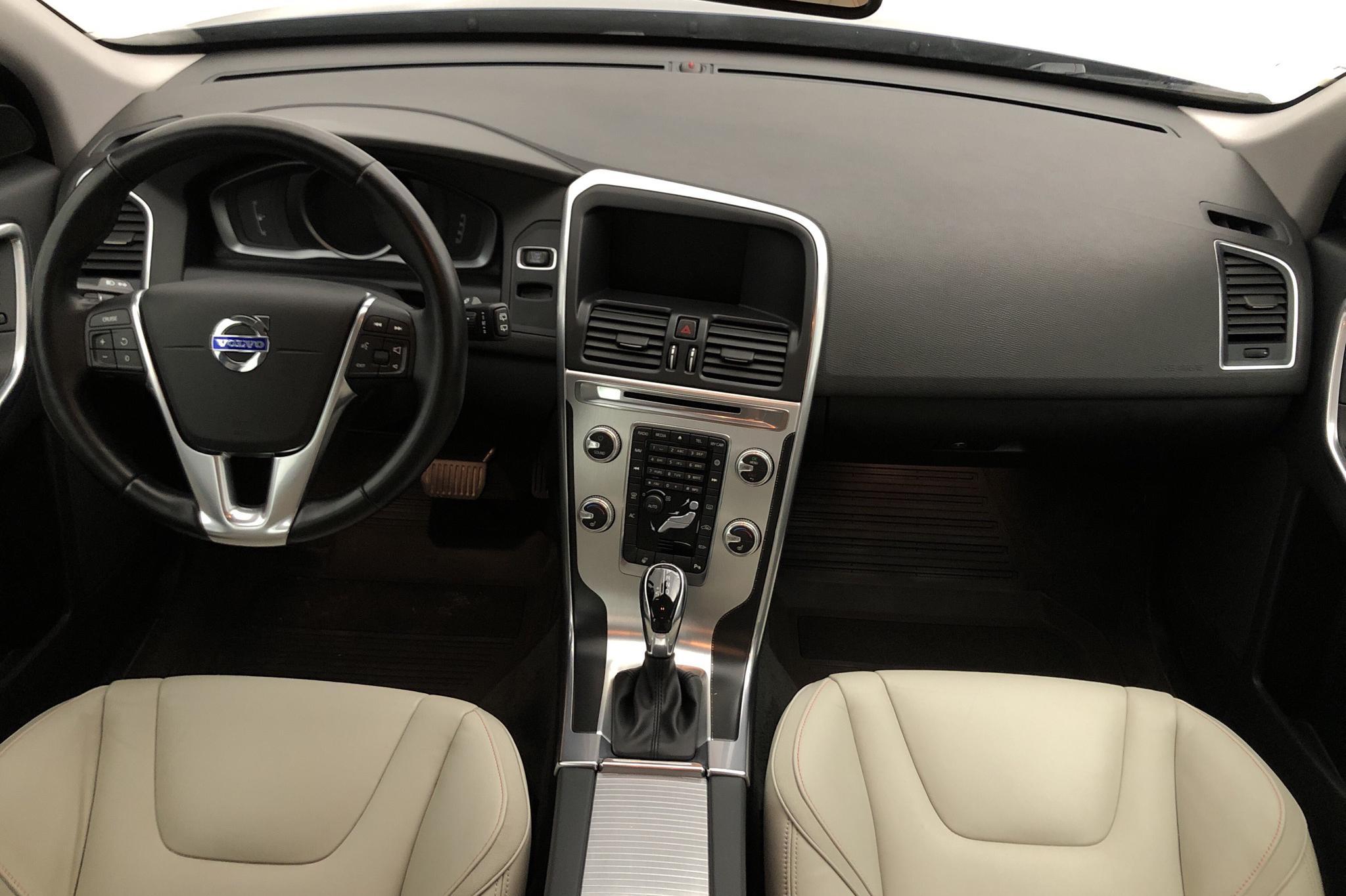 Volvo XC60 D4 2WD (181hk) - 4 978 mil - Automat - blå - 2015