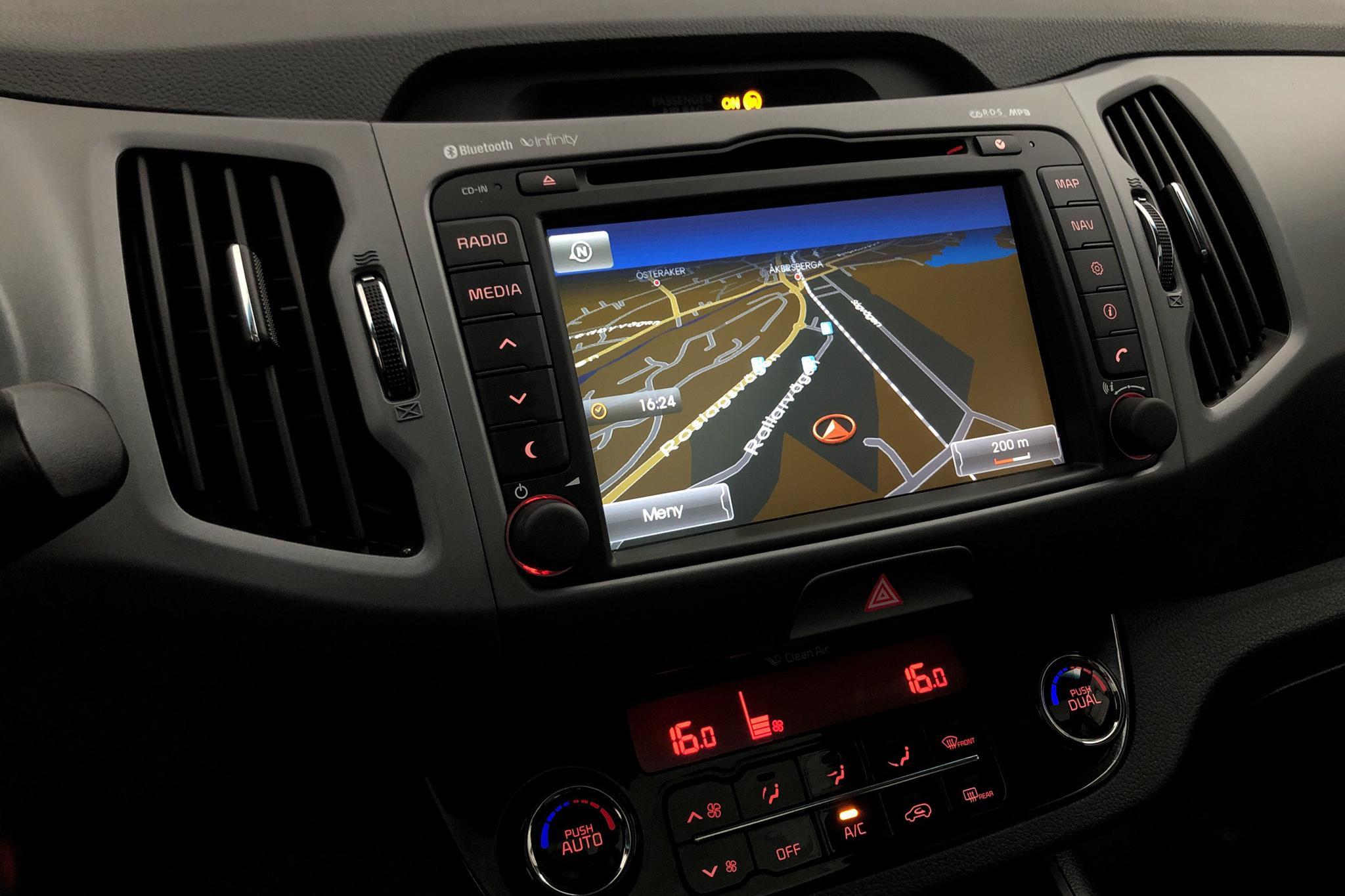 KIA Sportage 1.6 2WD (136hk) - 105 670 km - Manual - black - 2015