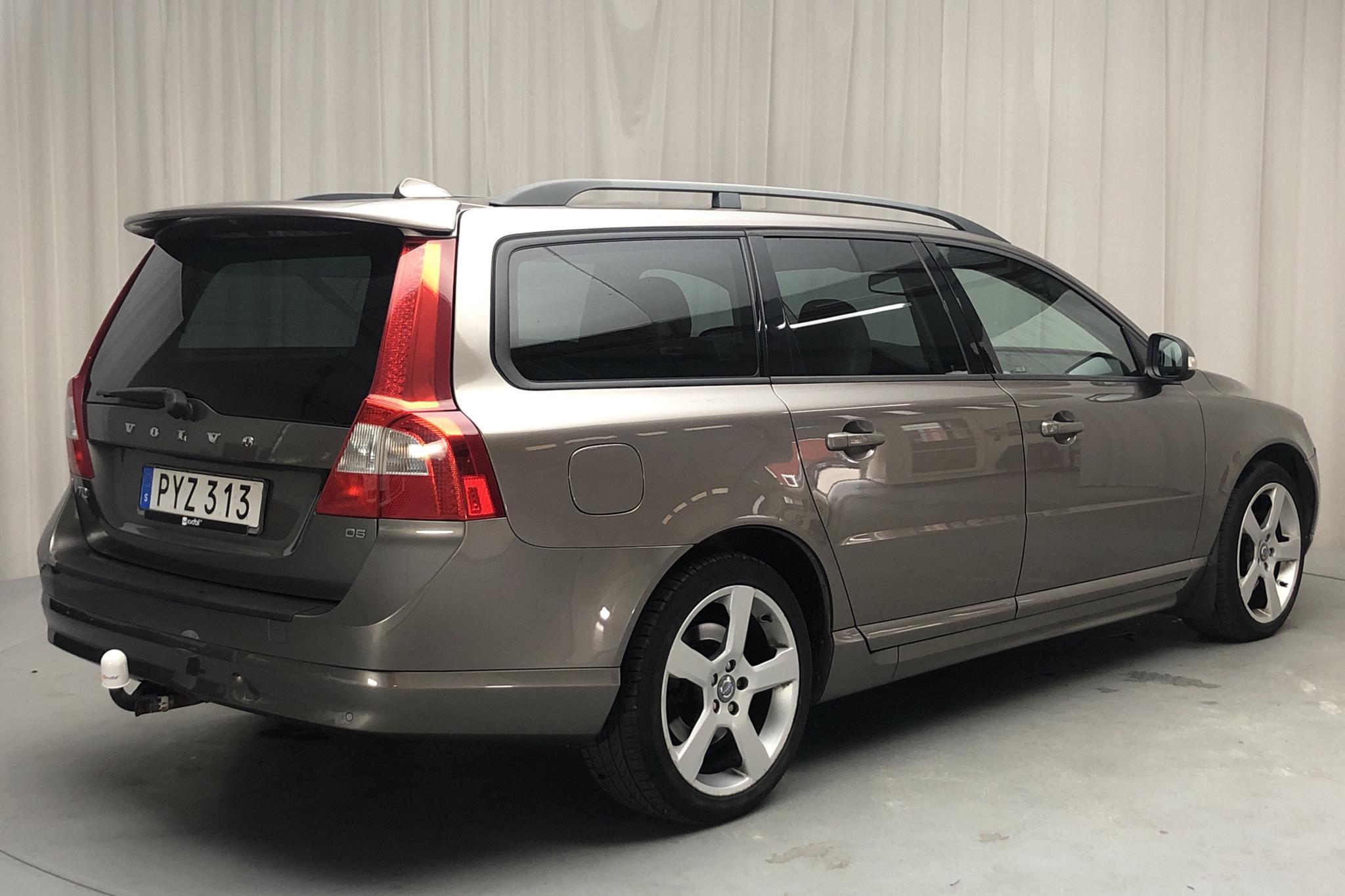 Volvo V70 II D5 (185hk) - 198 730 km - Manual - gray - 2008