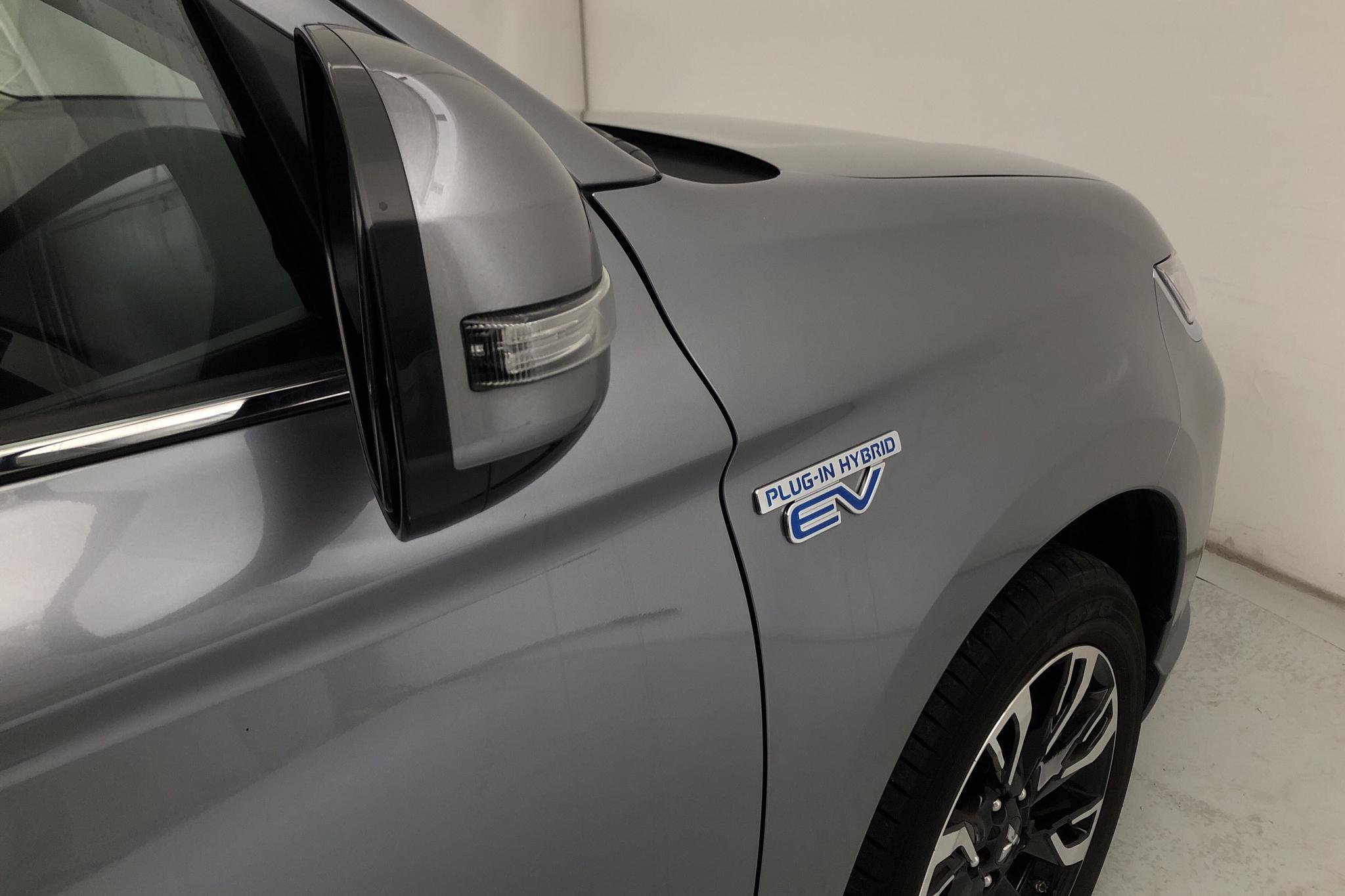 Mitsubishi Outlander 2.0 Plug-in Hybrid 4WD (121hk) - 57 660 km - Automatic - 2016