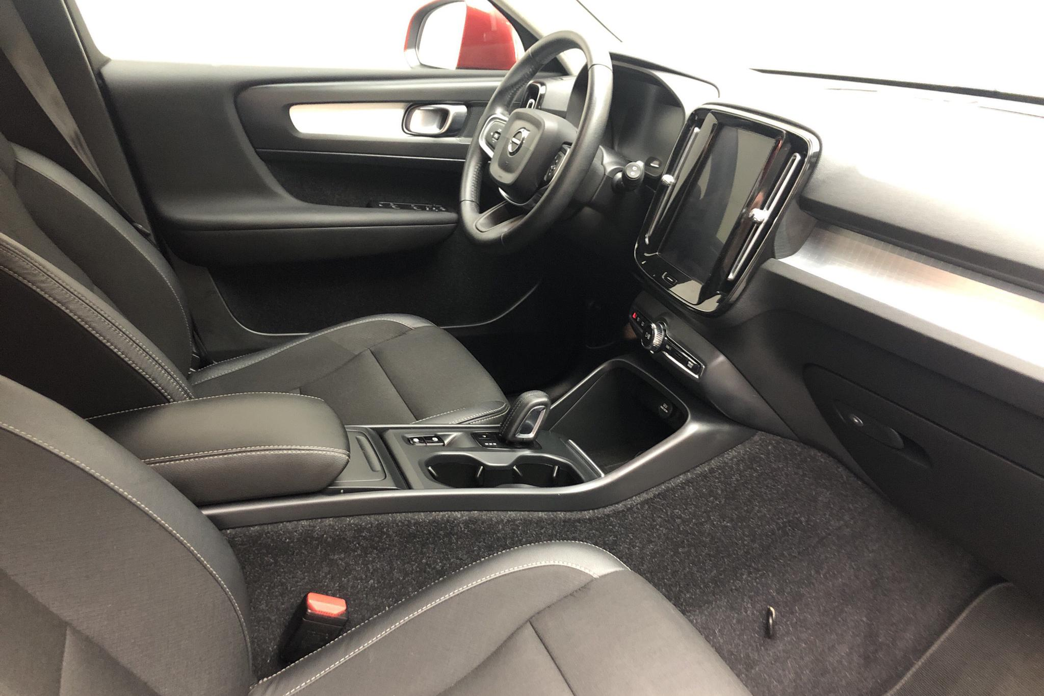 Volvo XC40 T4 2WD (190hk) - 33 150 km - Automatic - red - 2019