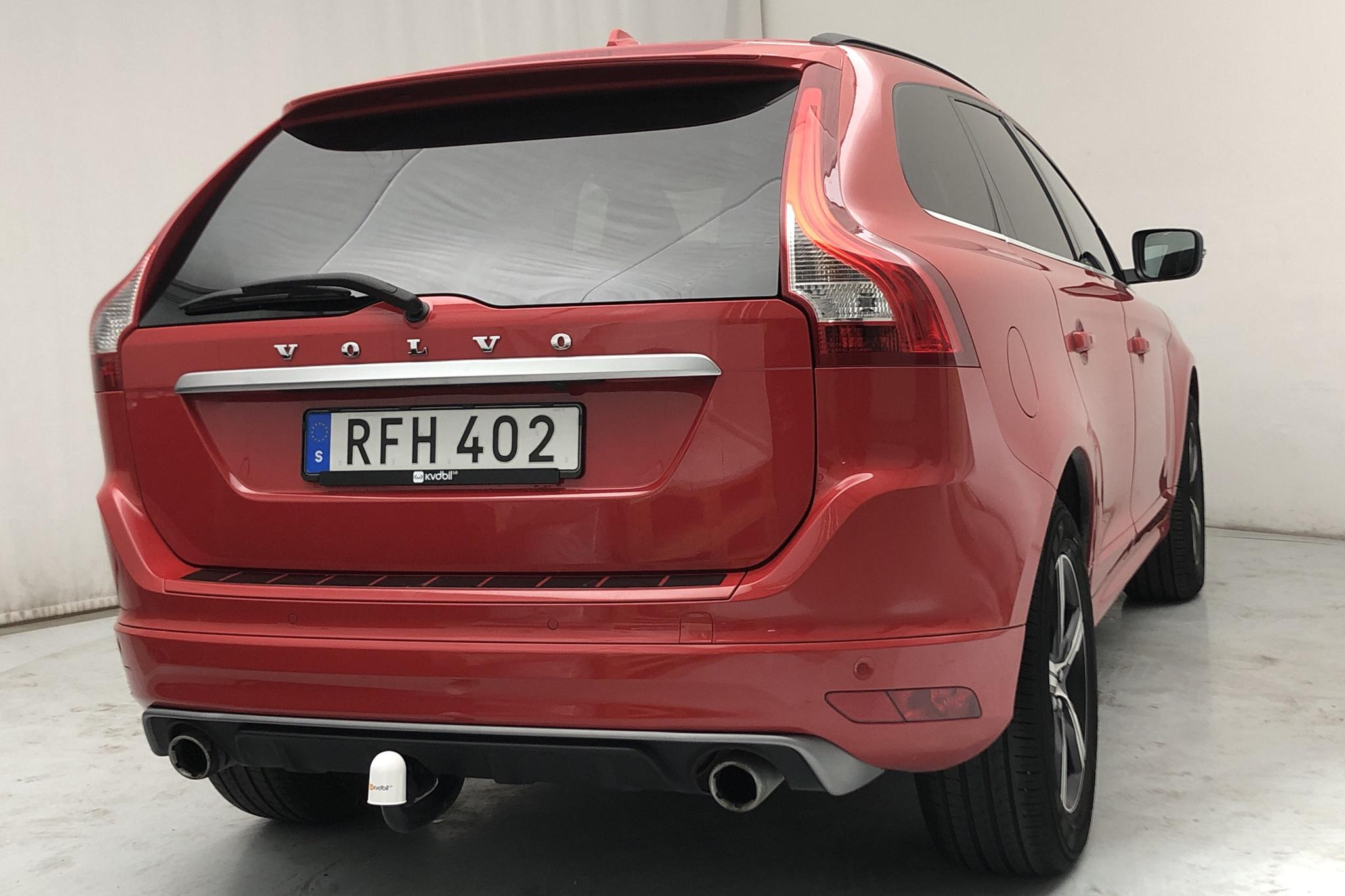 Volvo XC60 D4 AWD (190hk) - 10 421 mil - Automat - röd - 2017