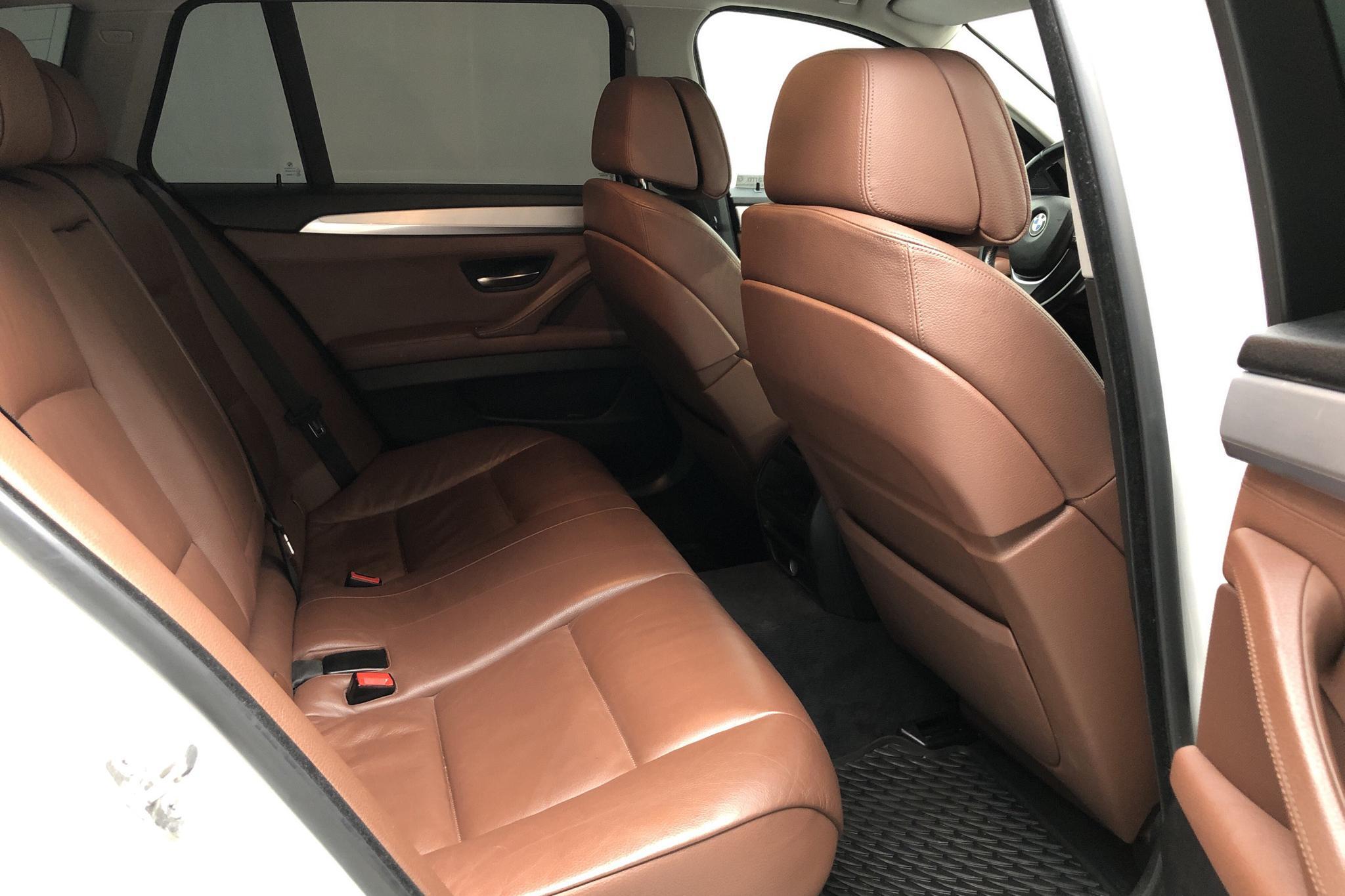 BMW 525d xDrive Touring, F11 (218hk) - 210 940 km - Automatic - white - 2013