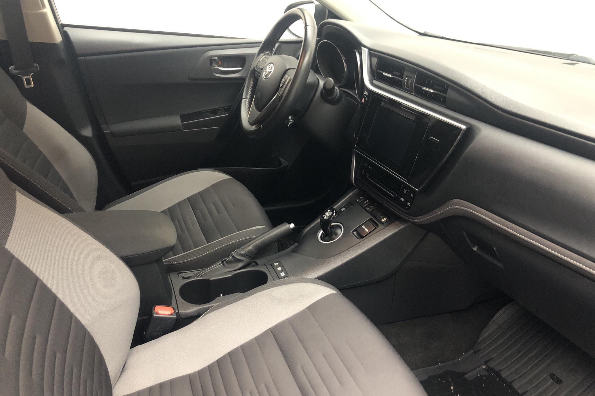 Toyota Auris 1.8 HSD Touring Sports (99hk) - 92 650 km - Automatic - Dark Blue - 2017