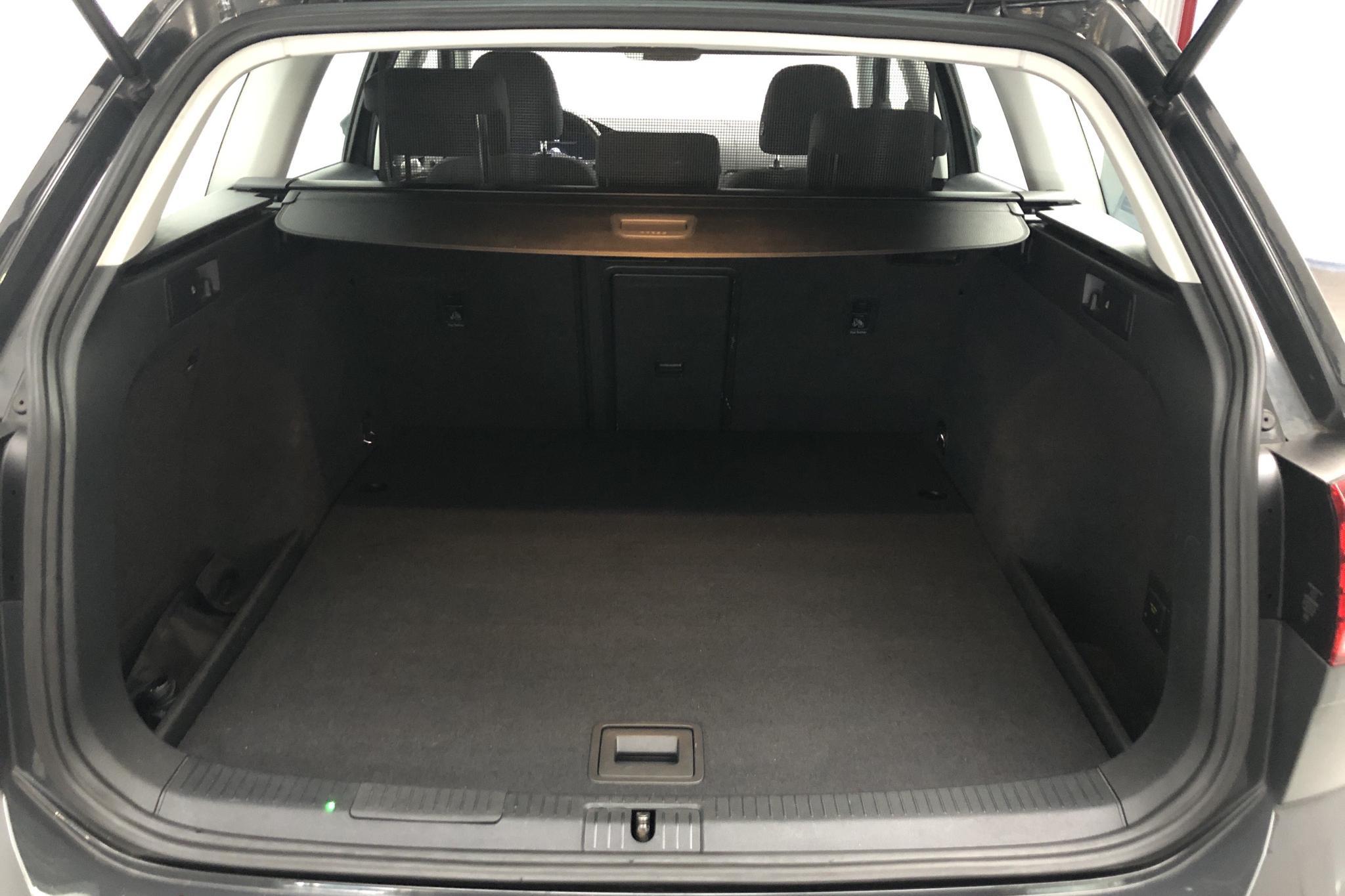 VW Golf VII 2.0 TDI Sportscombi 4MOTION (150hk) - 101 210 km - Manual - Dark Grey - 2018