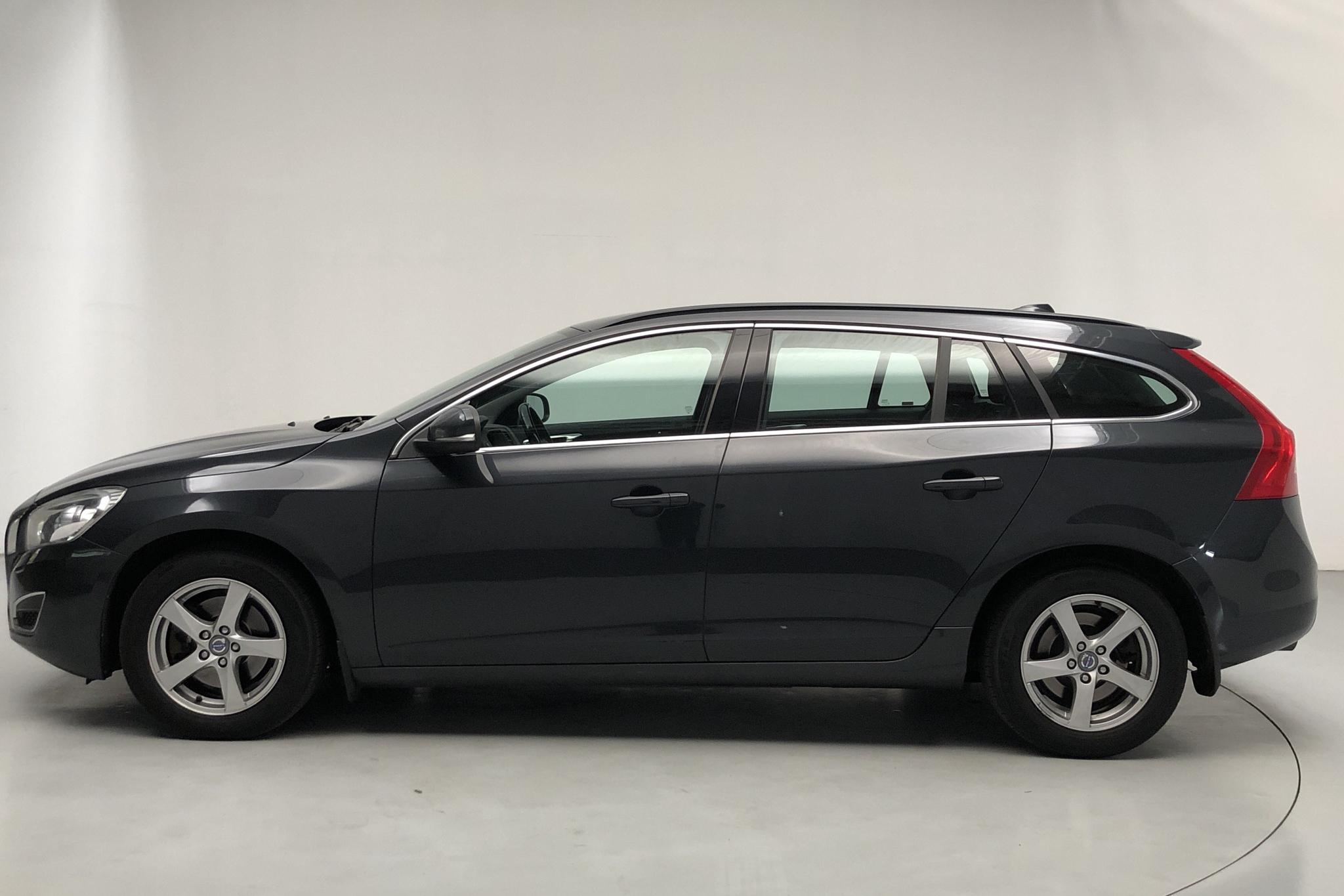 Volvo V60 D3 (163hk) - 188 880 km - Manual - gray - 2012