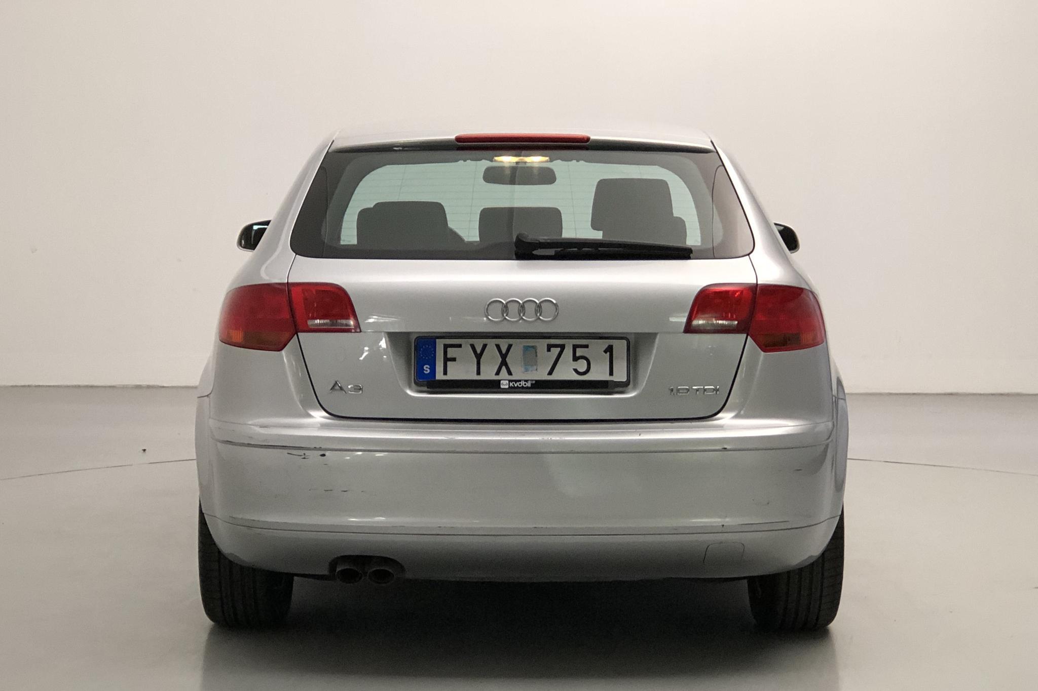 Audi A3 1.9 TDI Sportback (105hk) - 159 670 km - Manual - silver - 2008