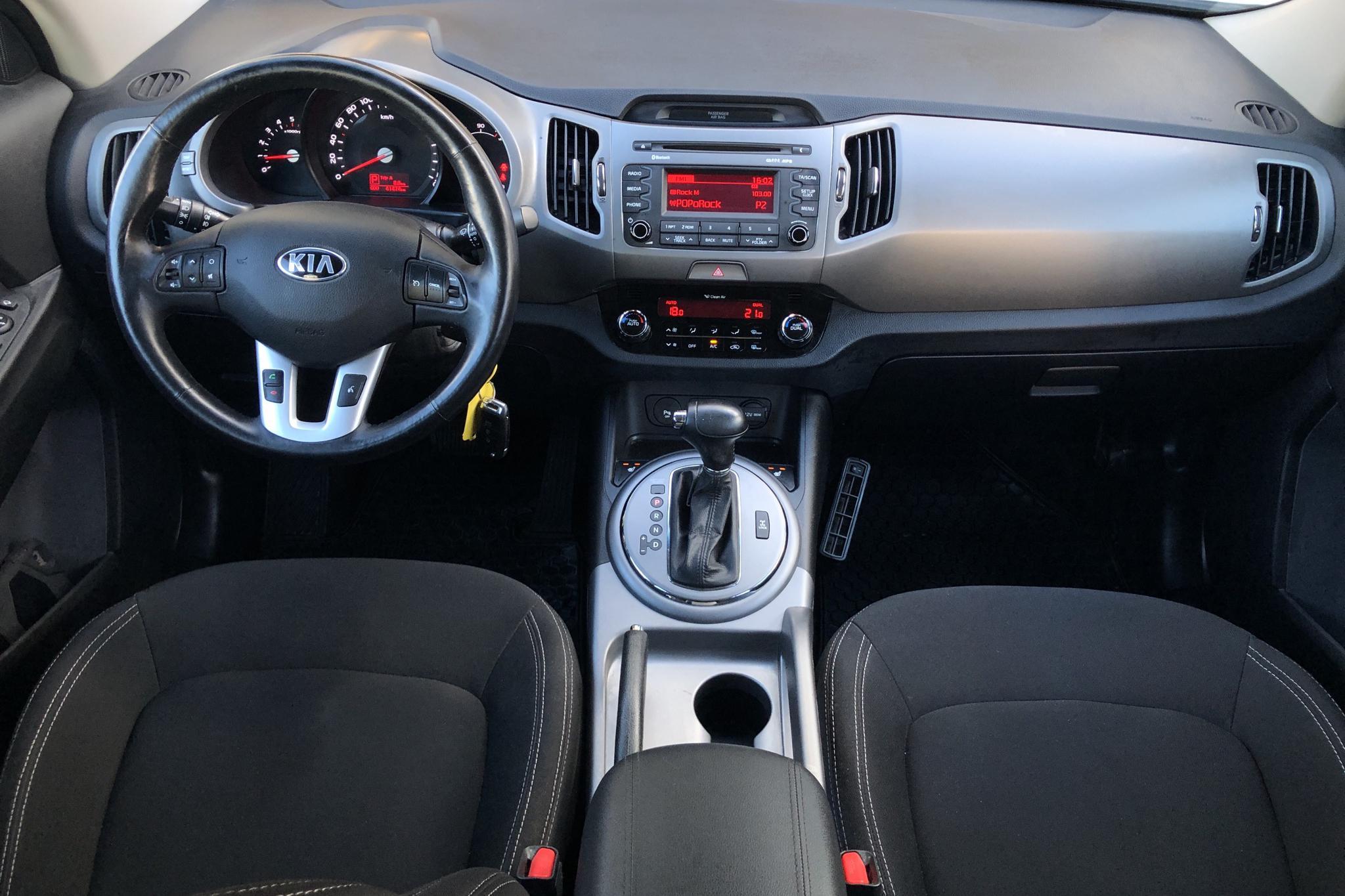 KIA Sportage 2.0 CRDi AWD (184hk) - 41 480 km - Automatic - white - 2015