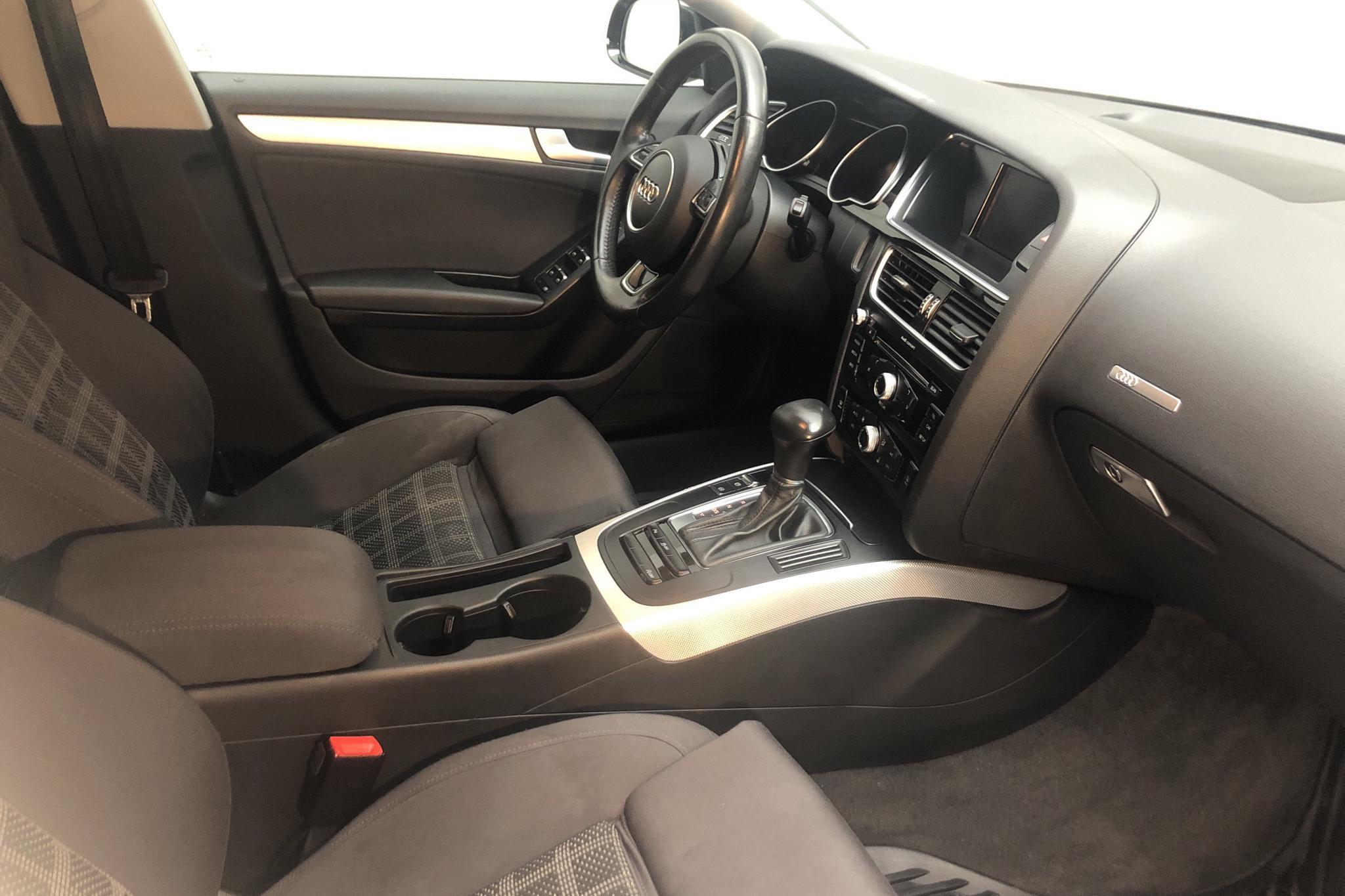 Audi A5 1.8 TFSI Sportback (177hk) - 7 718 mil - Automat - svart - 2016