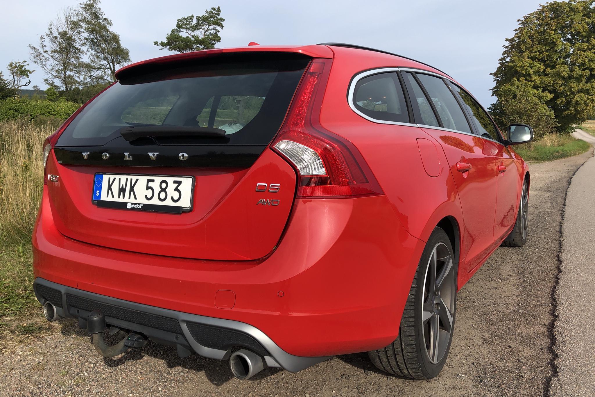 Volvo V60 D5 AWD (215hk) - 23 841 mil - Automat - röd - 2012