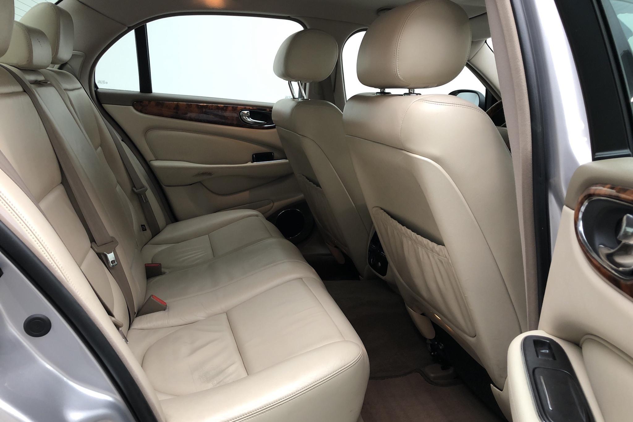 Jaguar XJ 6 3.0 V6 (240hk) - 23 724 mil - Automat - 2004
