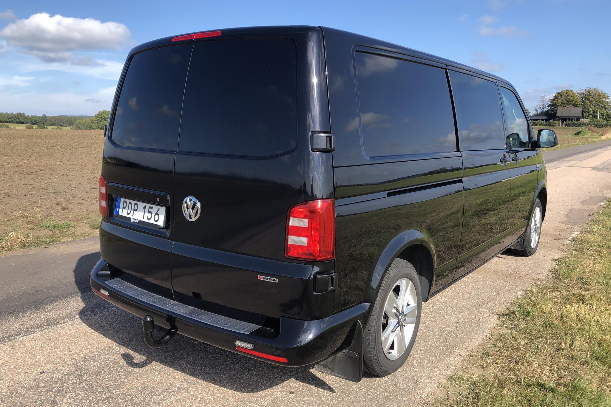 VW Transporter Kombi T6 2.0 TDI BMT 4MOTION (204hk) - 159 540 km - Automatic - black - 2017