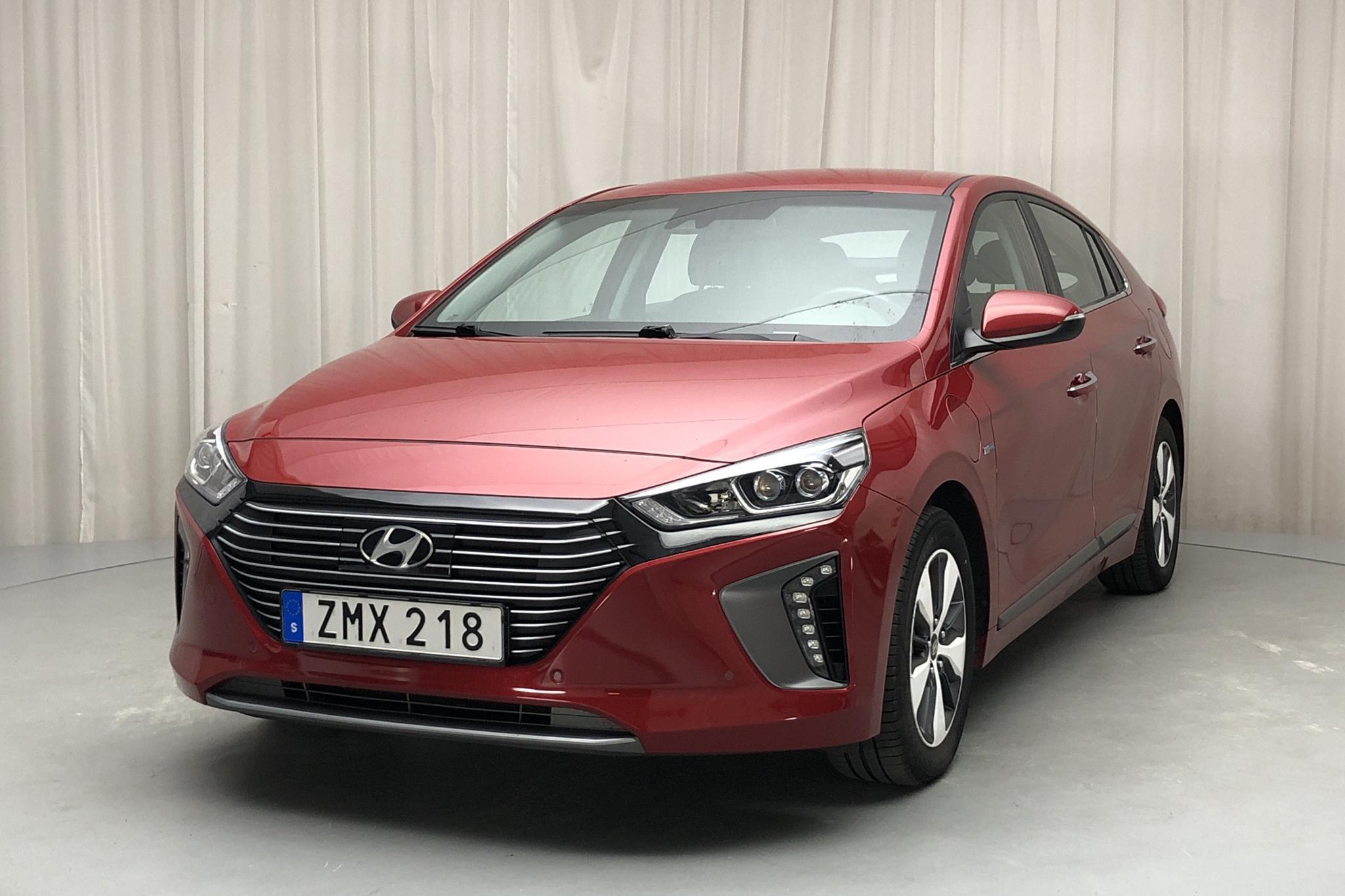 Hyundai IONIQ Plug-in (141hk) - 29 010 km - Automatic - red - 2019