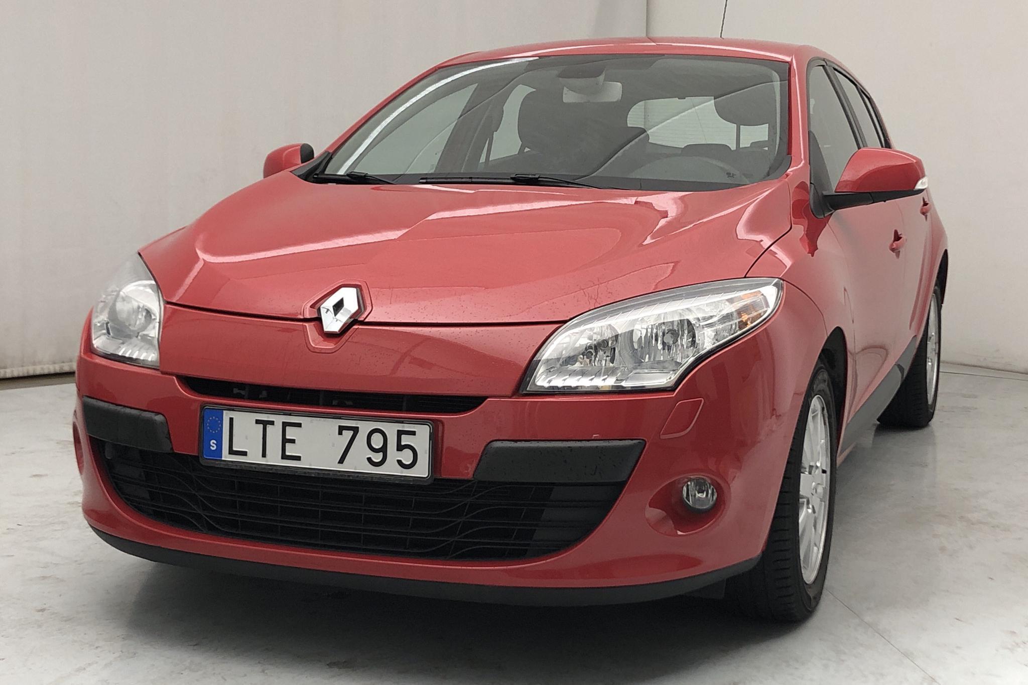 Renault Mégane Phas III 1.6 Eco2 Flex Fuel E85 5dr (110hk) - 6 888 mil - Manuell - röd - 2011
