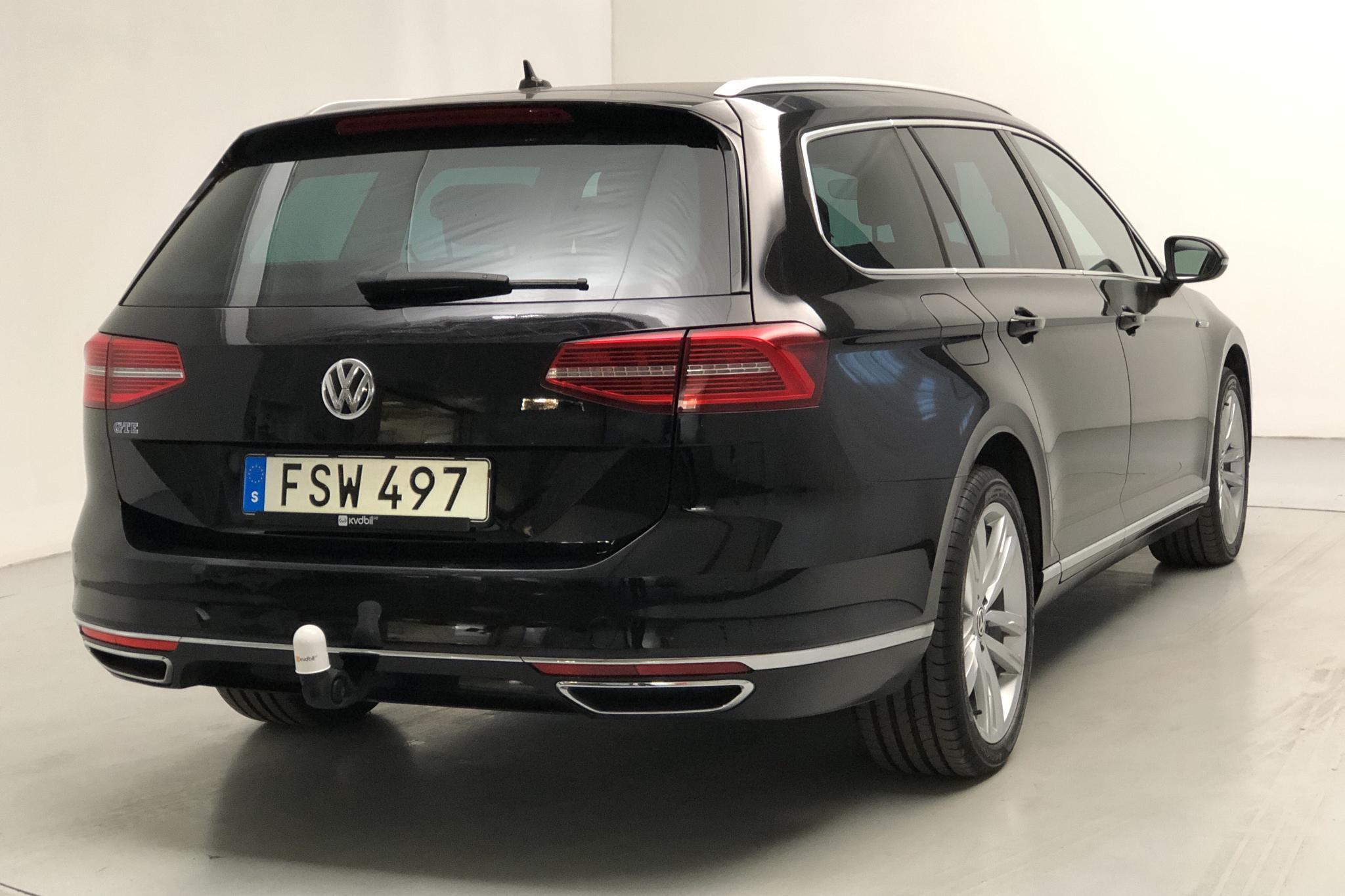 VW Passat 1.4 Plug-in-Hybrid Sportscombi (218hk) - 8 306 mil - Automat - svart - 2018