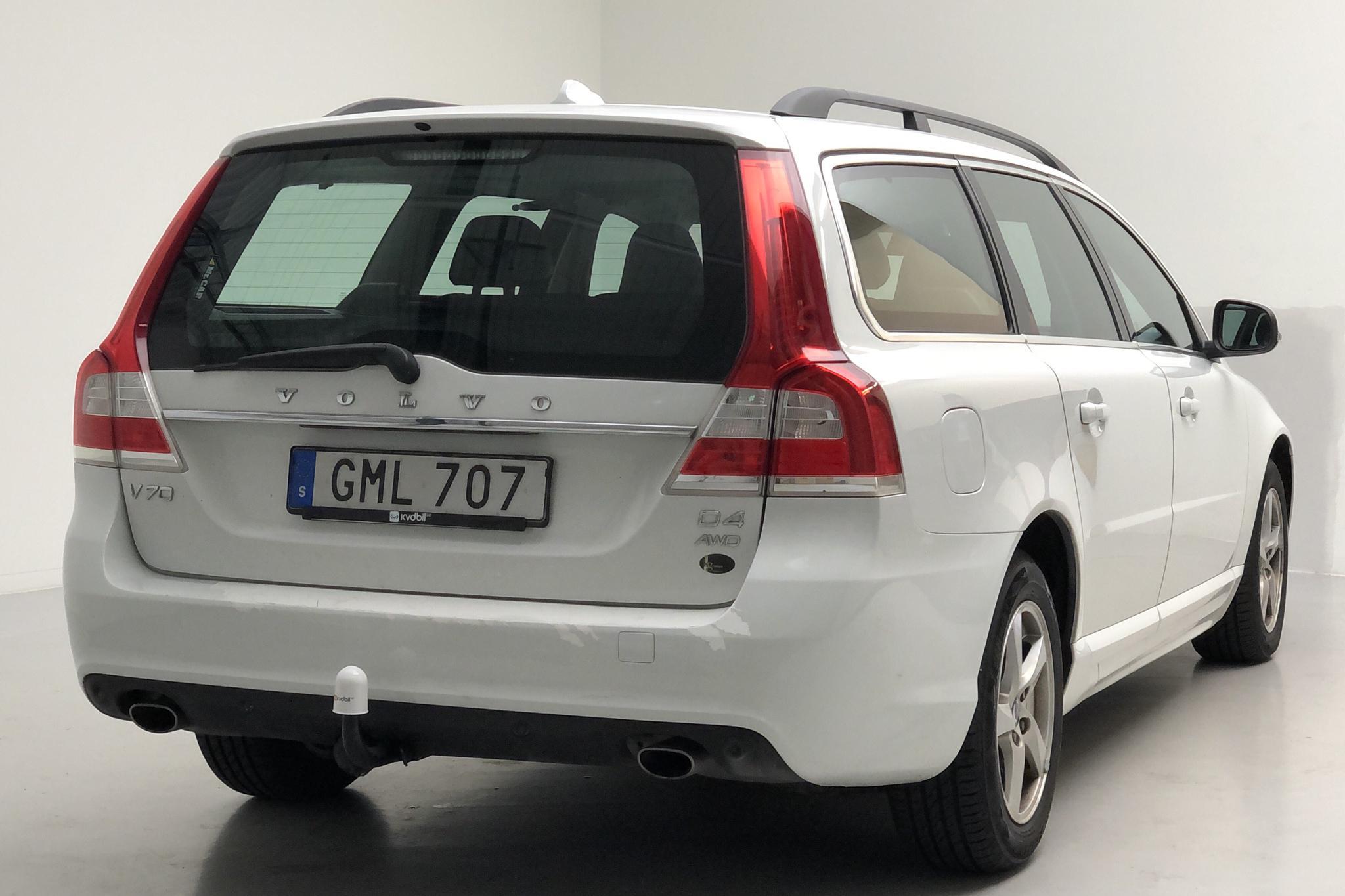 Volvo V70 II D4 AWD (181hk) - 137 730 km - Automatic - white - 2015