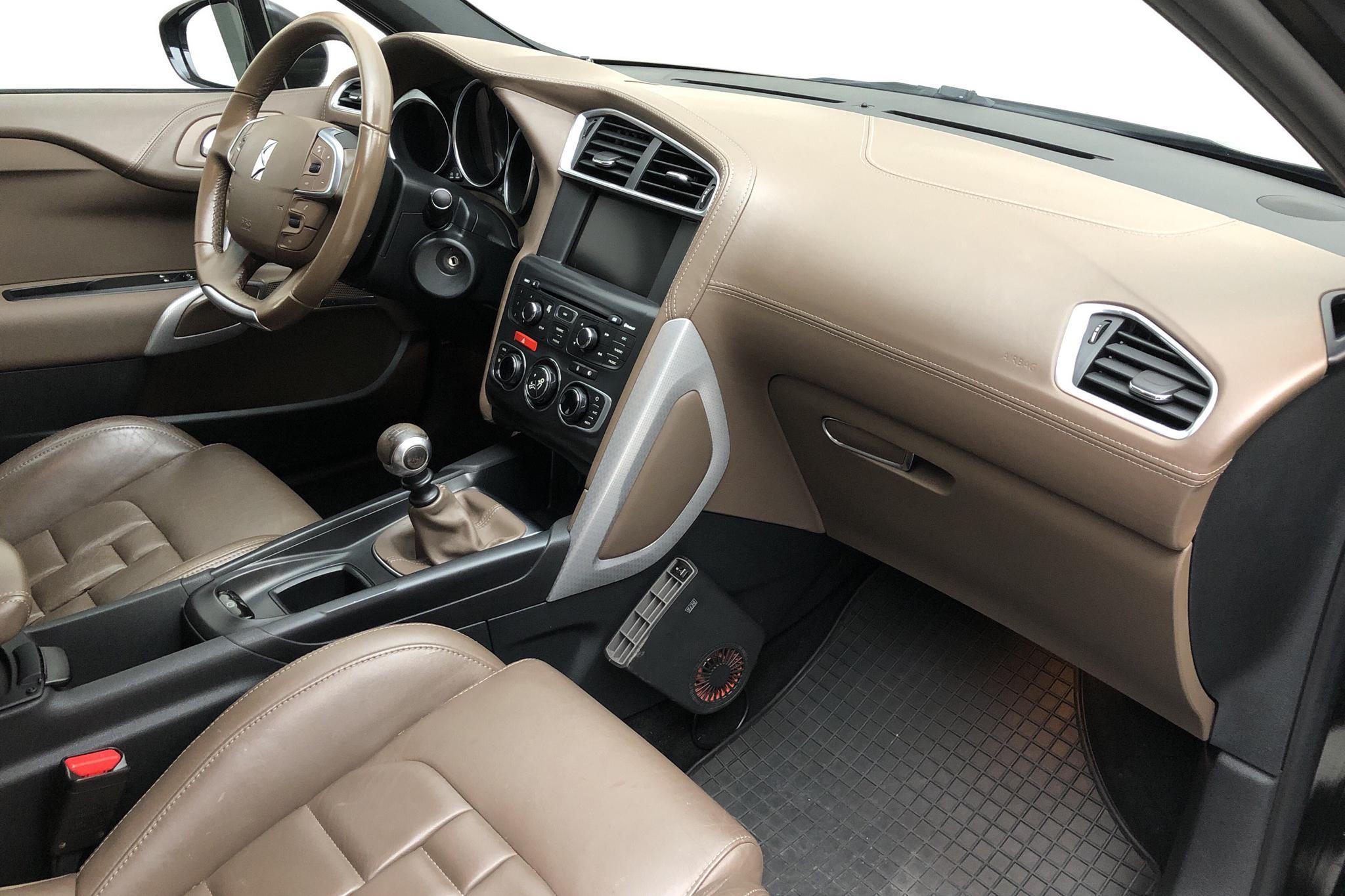 Citroen DS4 1.6 THP (200hk) - 146 340 km - Manual - black - 2011